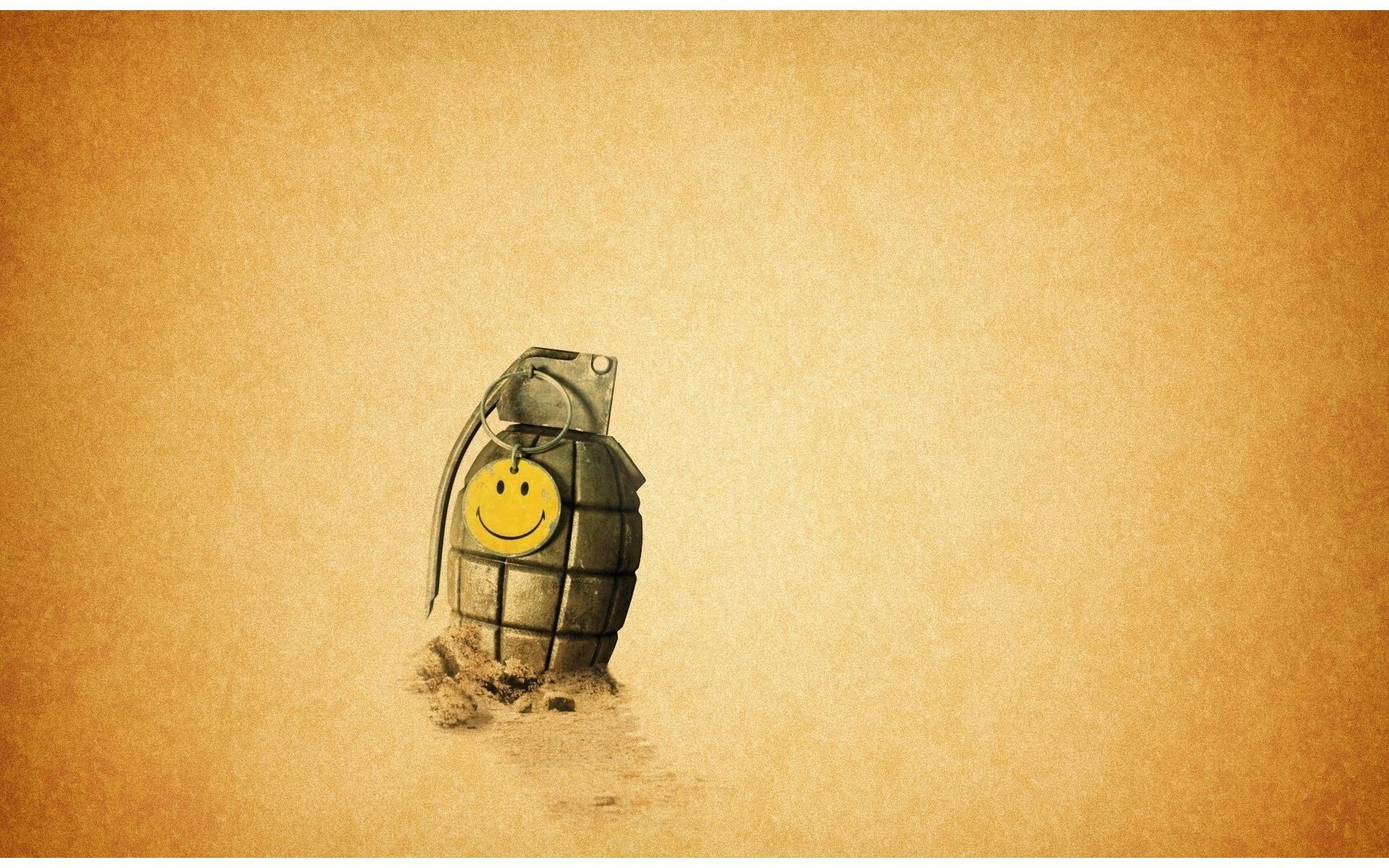 Frag grenade Wallpaper