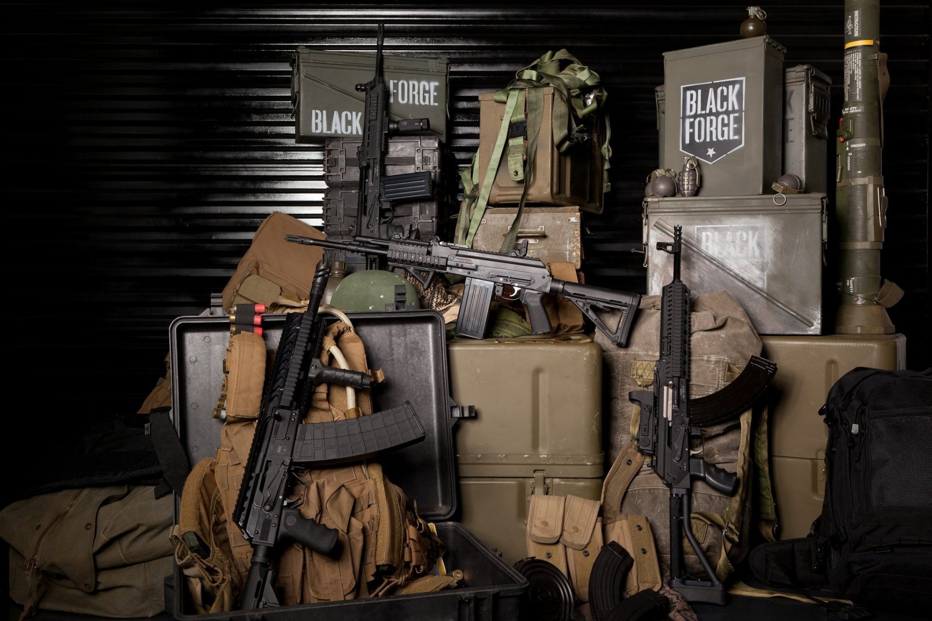 machines boar assault rifles weapon grenade shops boxes handbags equipment  military ammunition