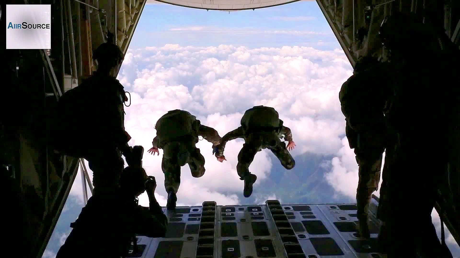 Philippine Marines, US Army Special Forces Conduct Free Fall Jumps – YouTube