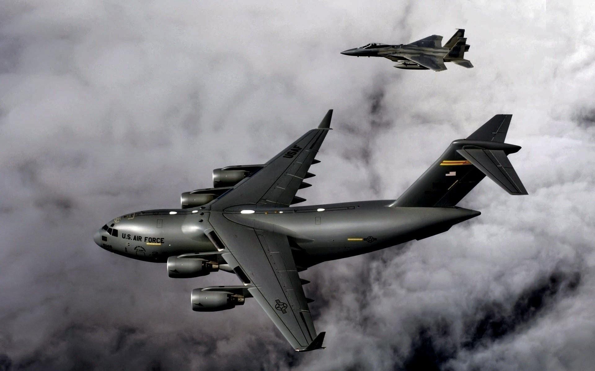 Aircraft US Air Force F-15B C-17 Globmaster