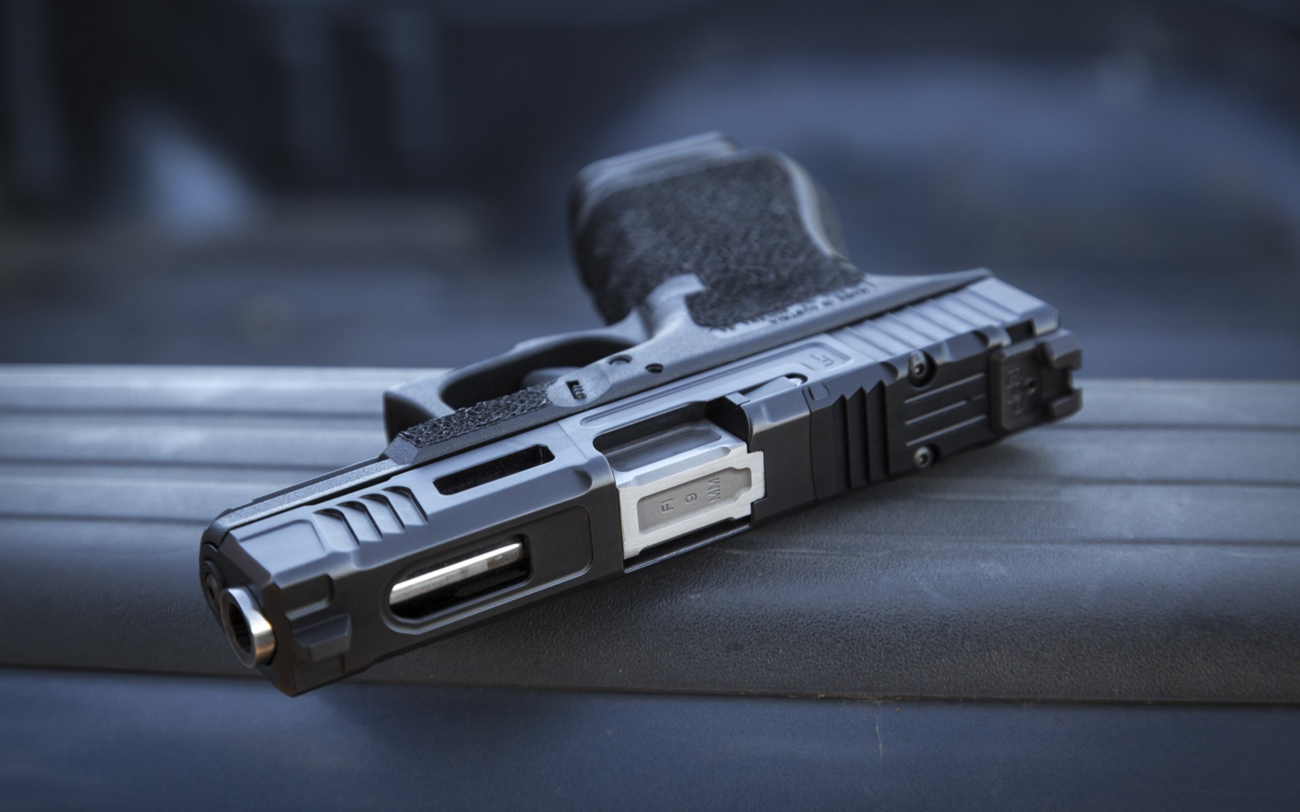 Glock 19 Semi-Automatic Gun
