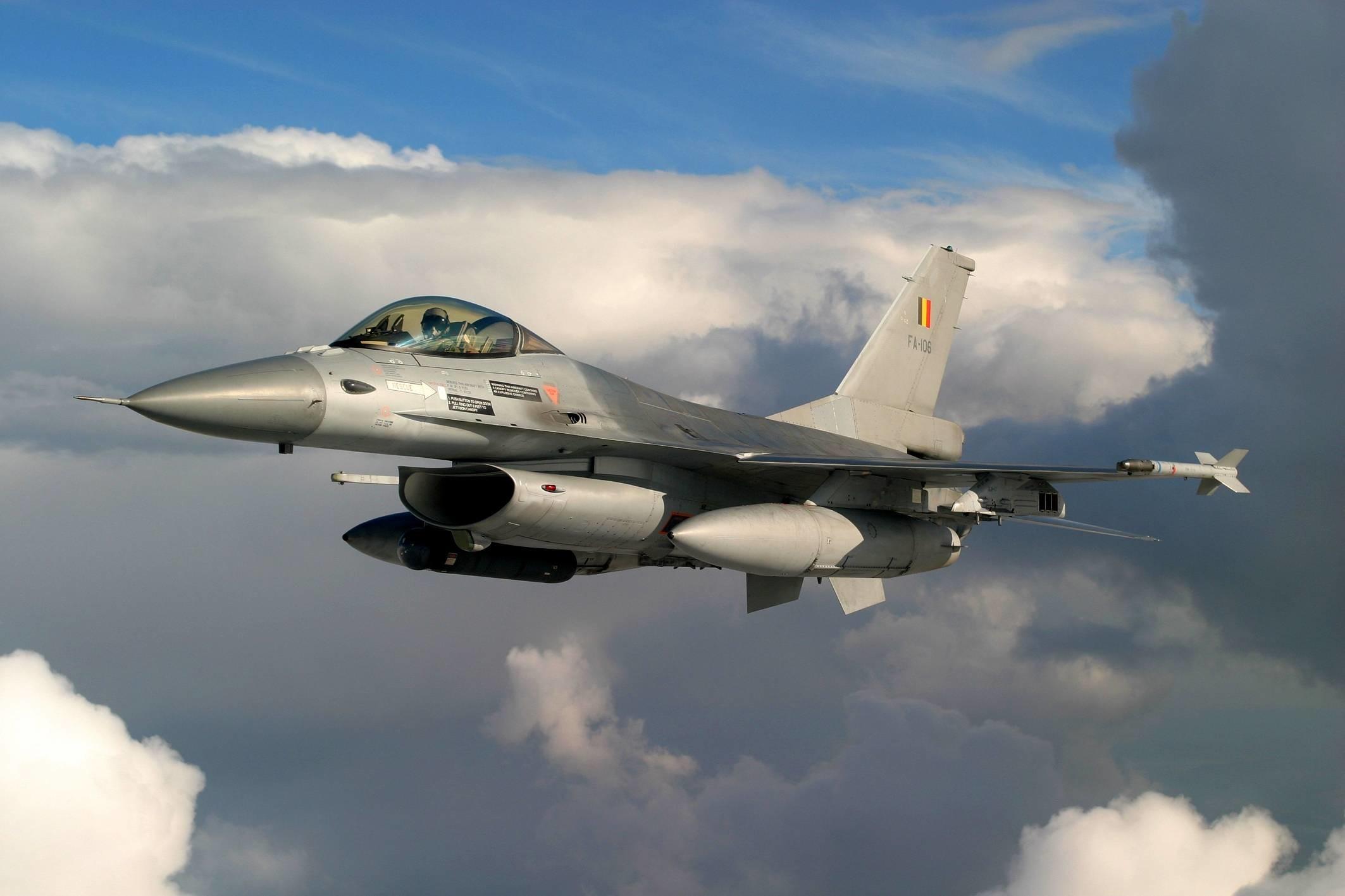 HD F16 Fighting Falcon Wallpaper | Download Free – 126571
