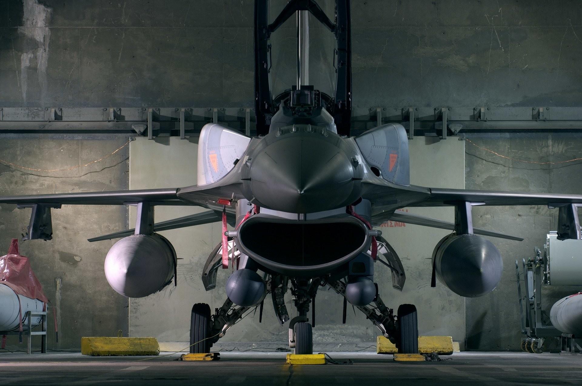 Military – General Dynamics F-16 Fighting Falcon F-16 Wallpaper