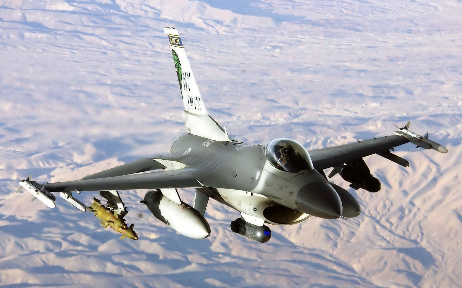 Military – General Dynamics F-16 Fighting Falcon Military F-16 Jet Wallpaper