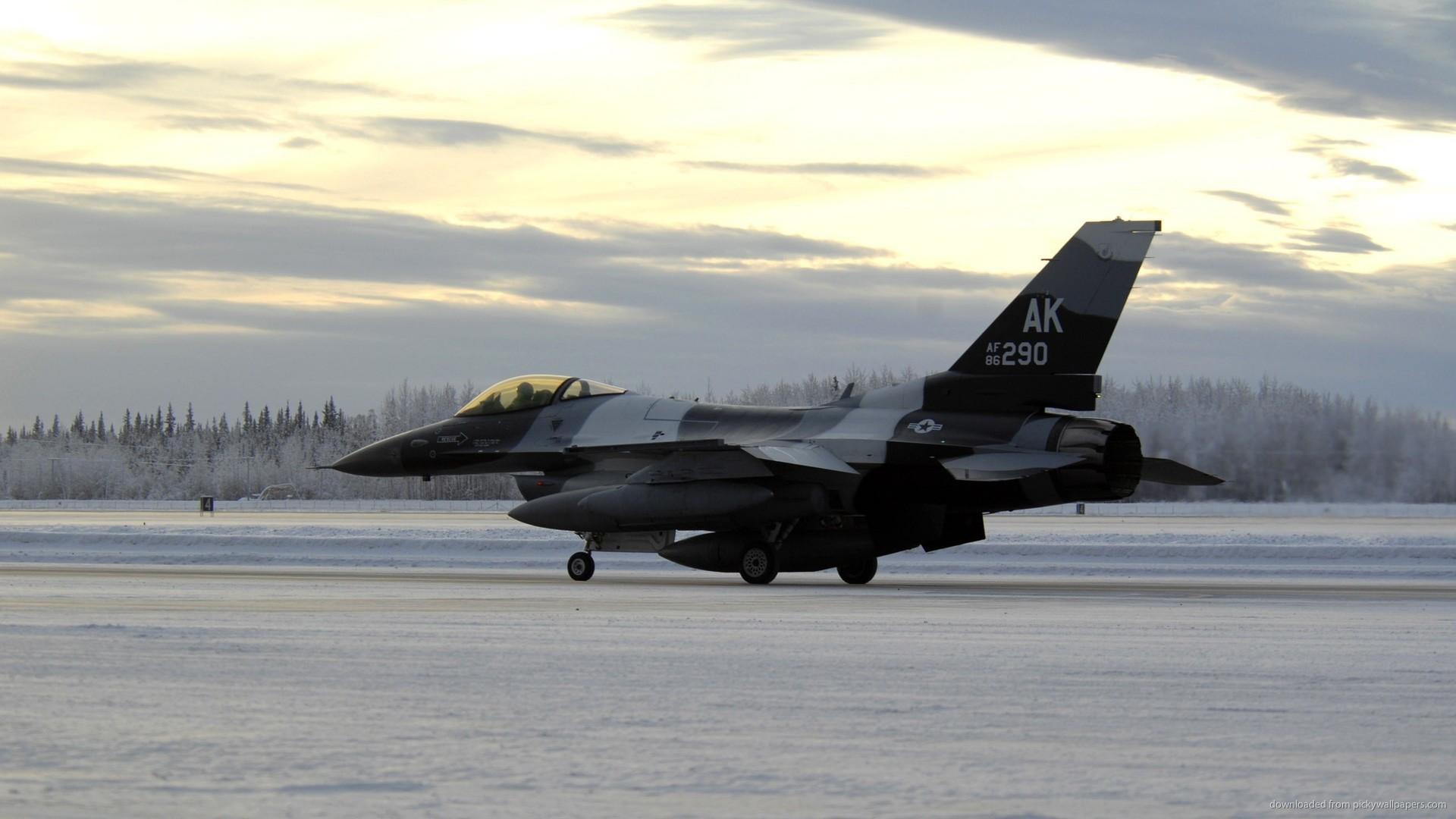F-16 Fighting Falcon Winter Time picture