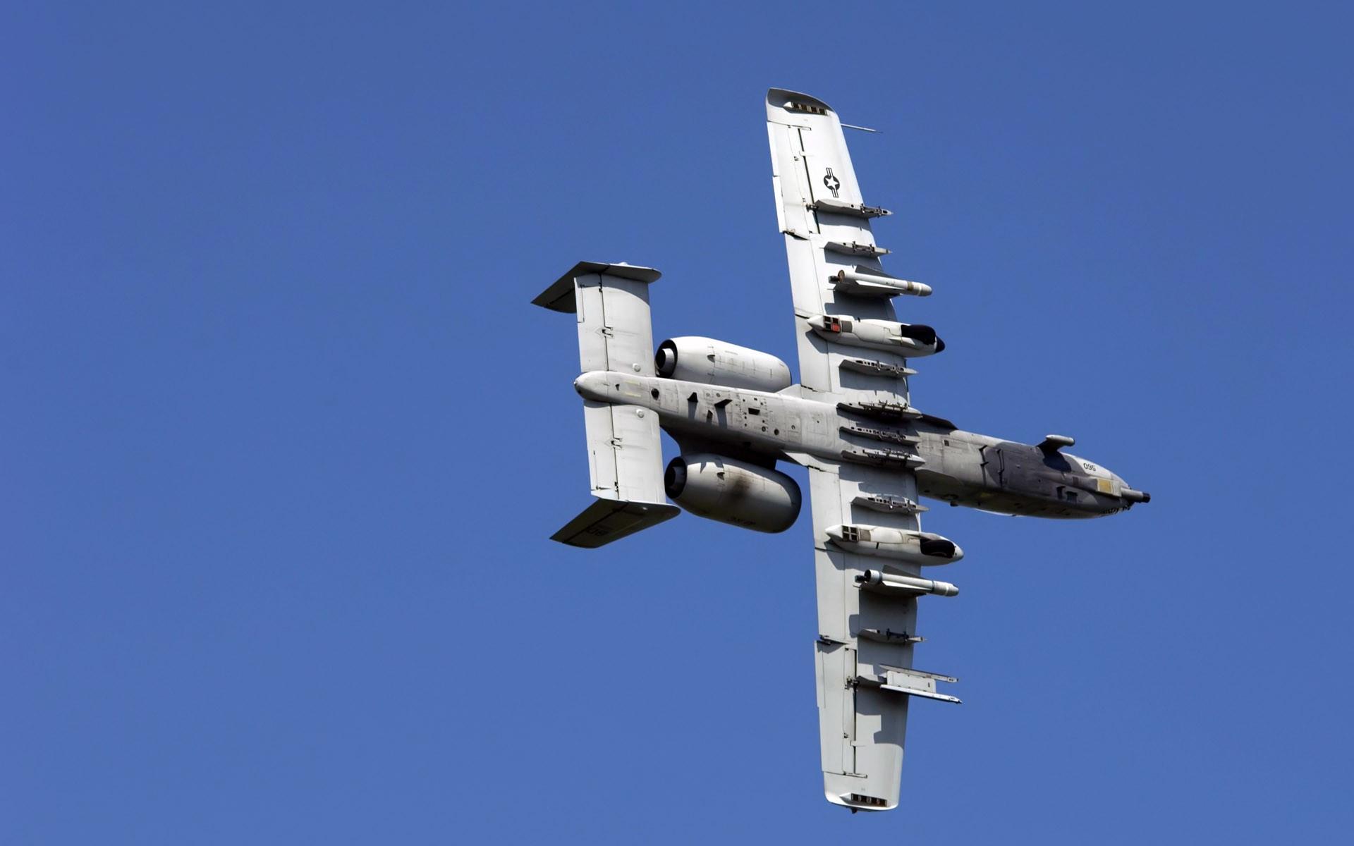 A 10 Thunderbolt Approaching Target