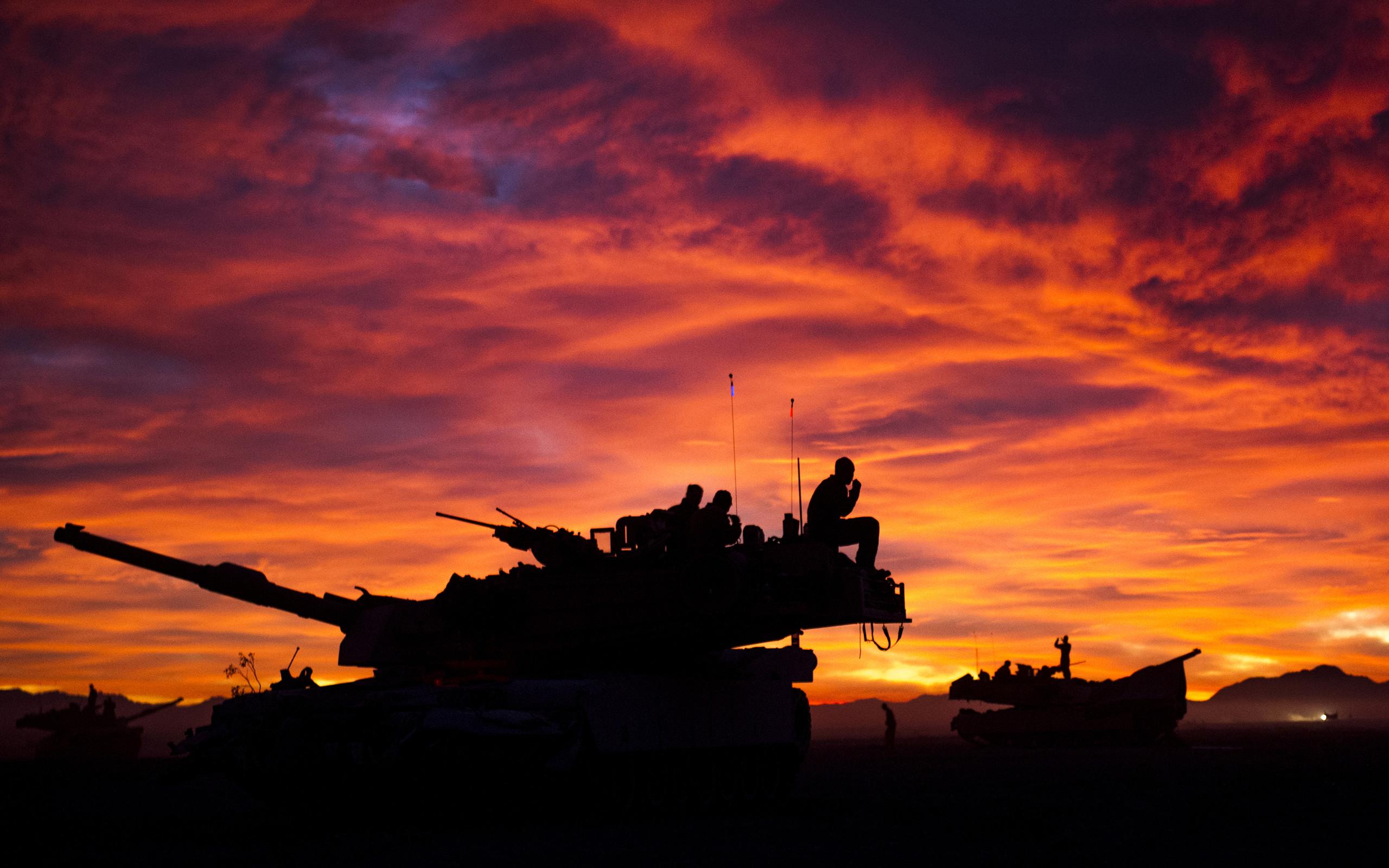M1A1 Abrams Tank Military Sunrise Tanks United States Marine Corps …