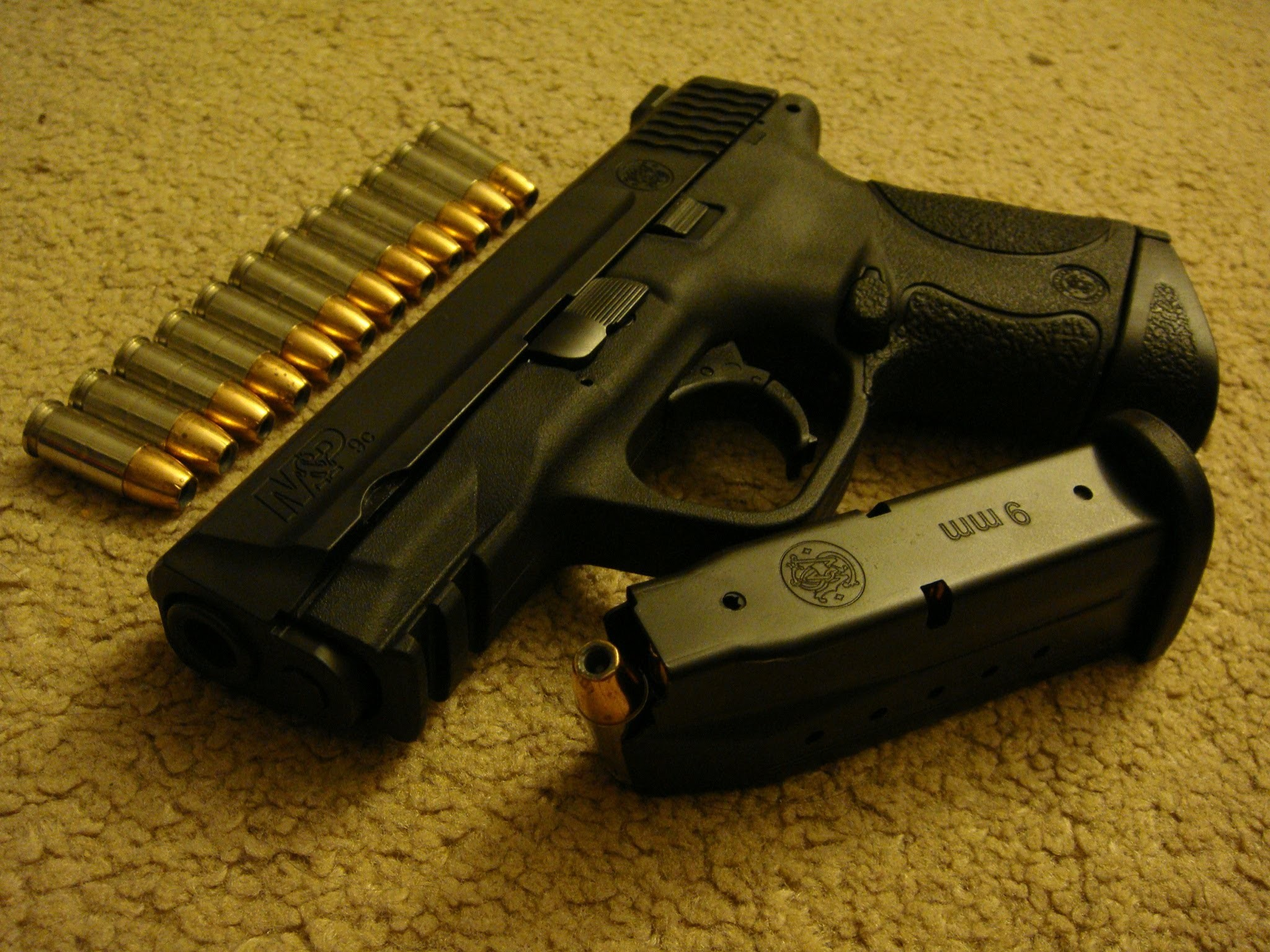 Smith & Wesson M&P 9c Overview/Review