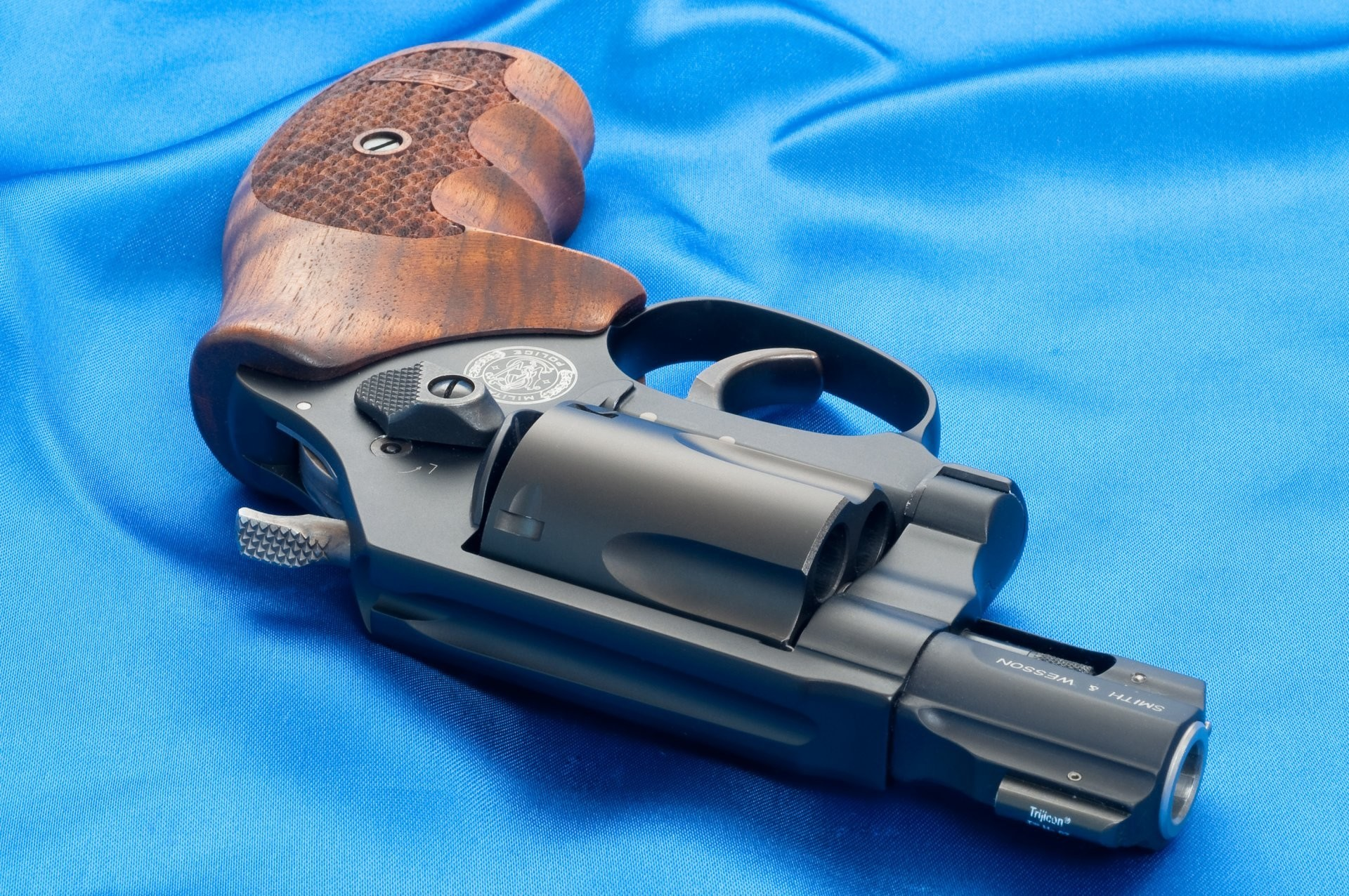 smith & wesson mp360 weapons wallpapers smith wesson weapon wallpaper  revolver mp 360