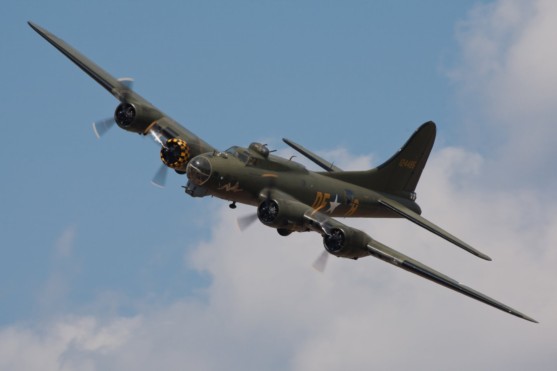 sky plane boeing b-17 flyig fortress flying fortress american all-metal  heavy four
