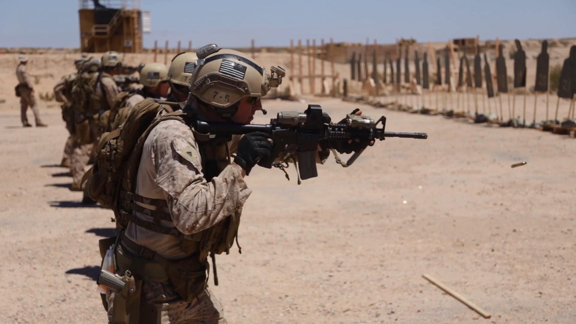 US Marines Combat Marksmanship Skills – Live Fire & Shotgun Range – YouTube