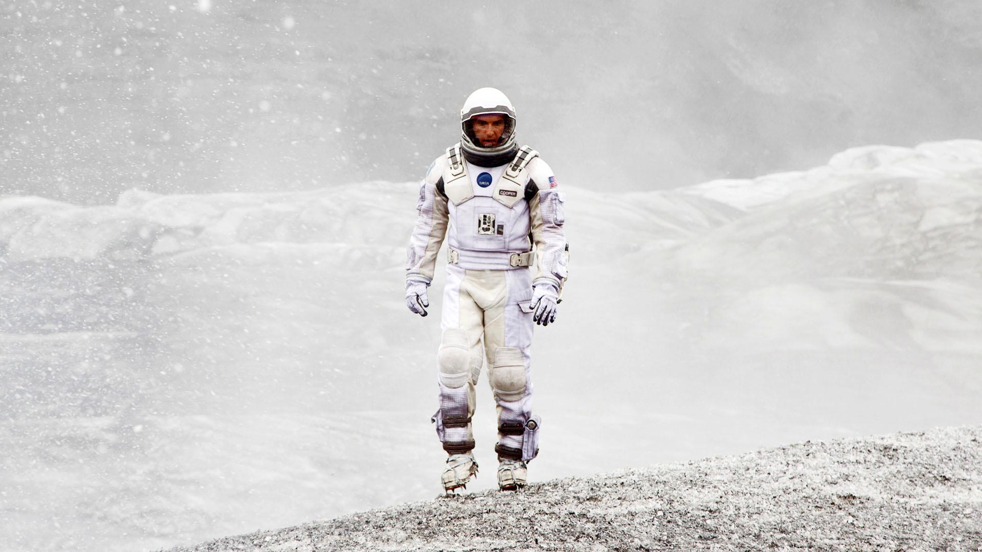 Interstellar, Cooper exploring, wearing space suit wallpaper