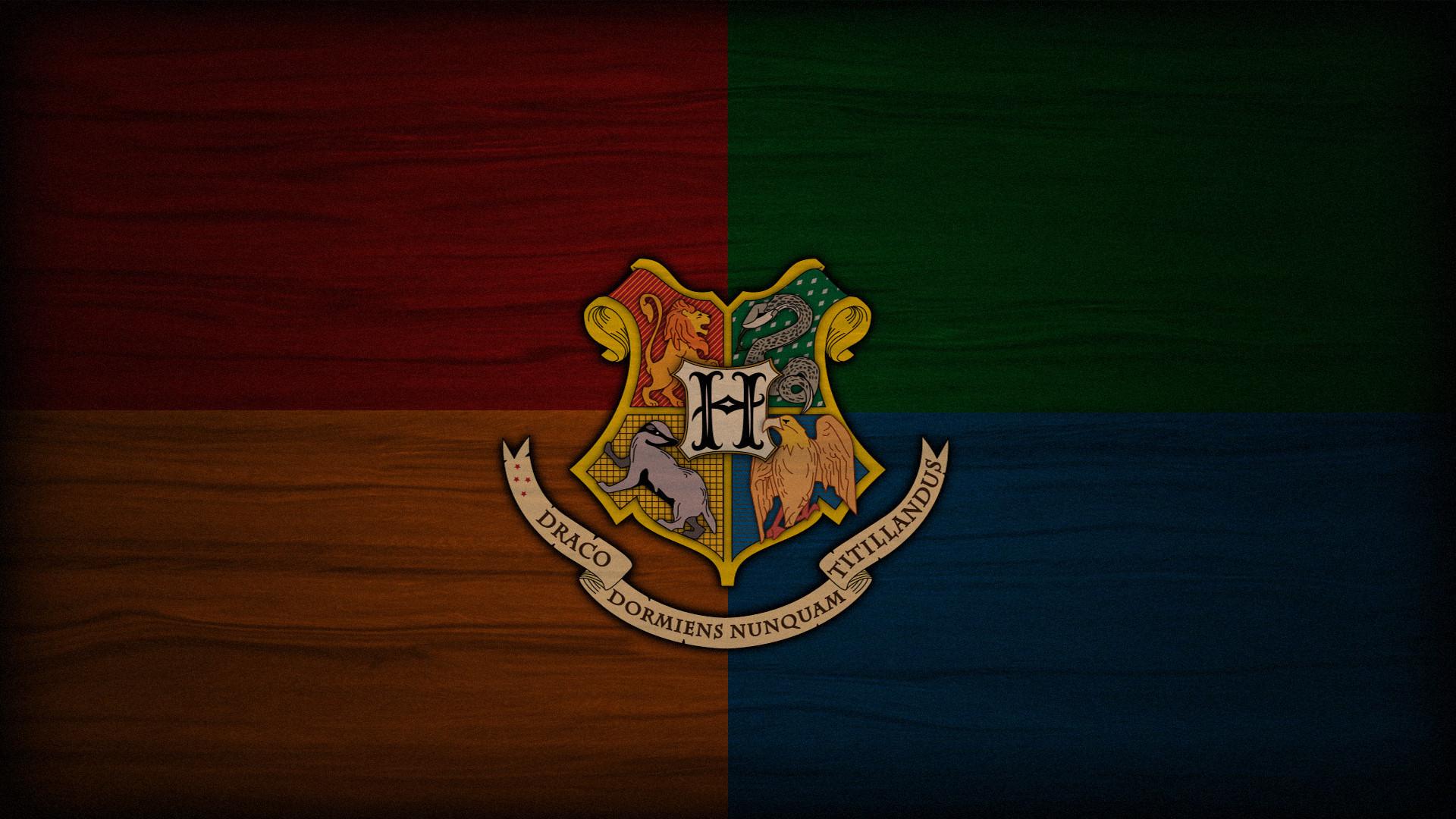 Hogwarts Crest Wallpaper