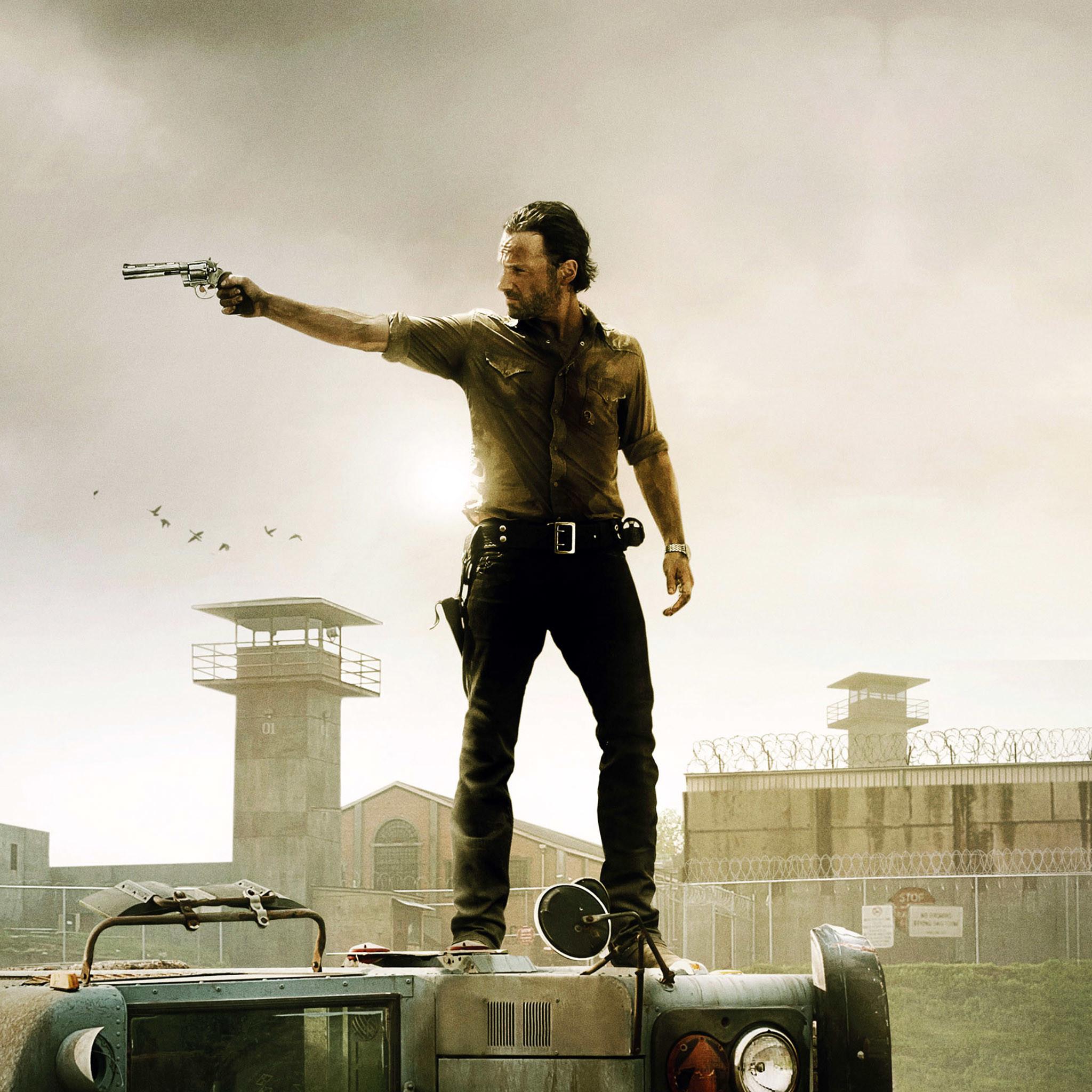 The Walking Dead Rick Grimes Shooting iPad Wallpaper HD.jpg 2,048×2,048  pixels