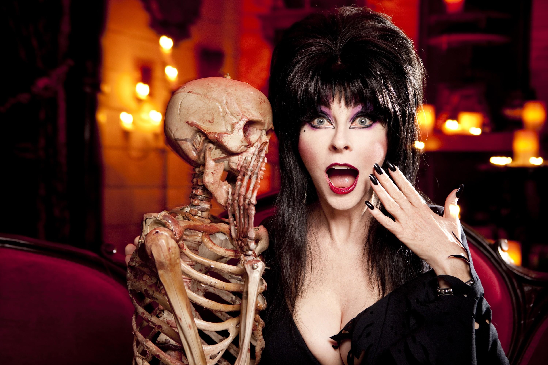 Download Elvira: Mistress of the Dark wallpaper (3000×2000)
