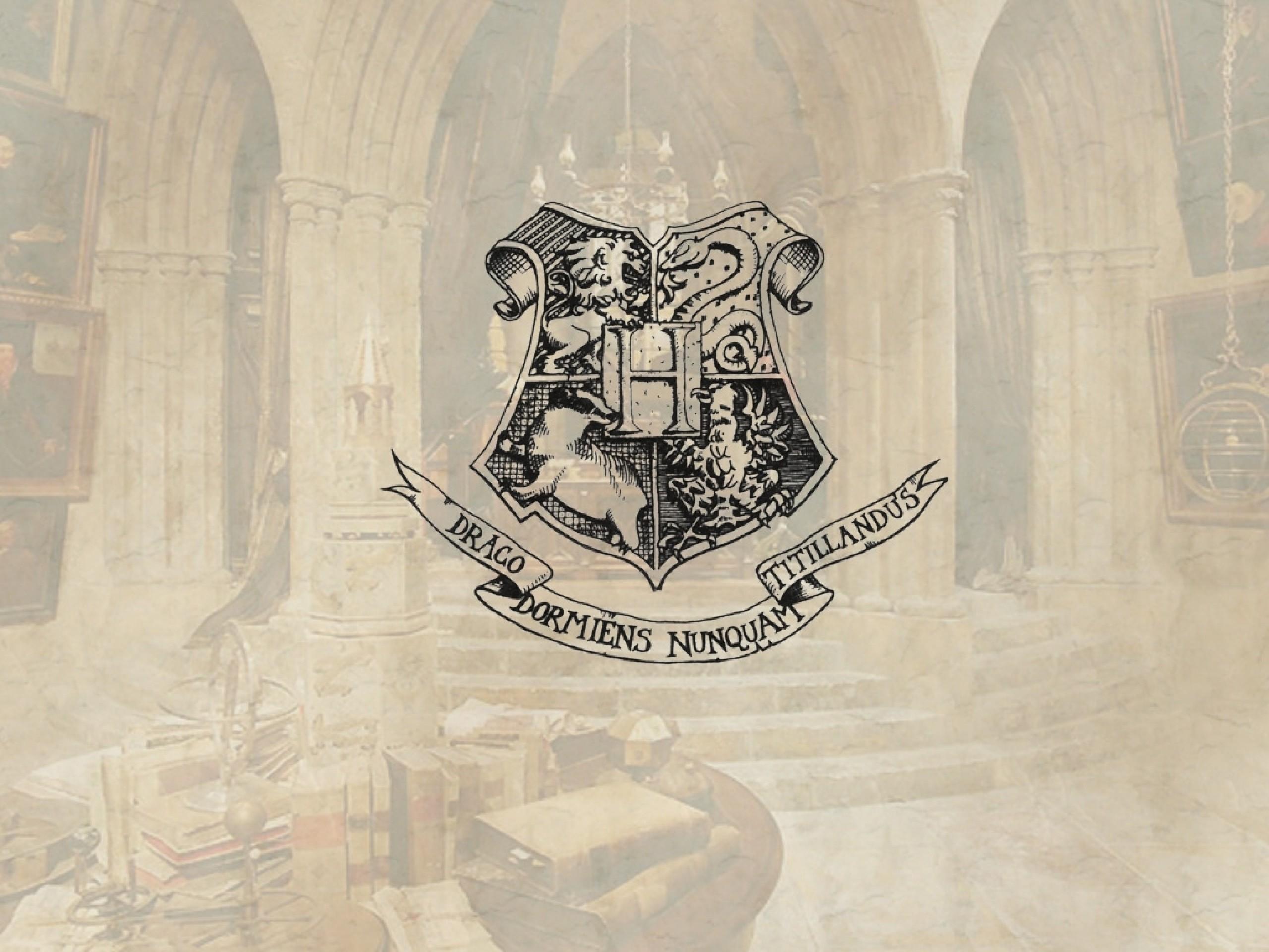 harry potter crest hogwarts Wallpaper HD