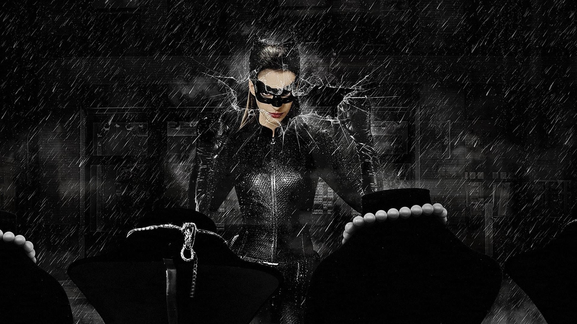 Anne Hathaway – Catwoman Wallpaper – 2
