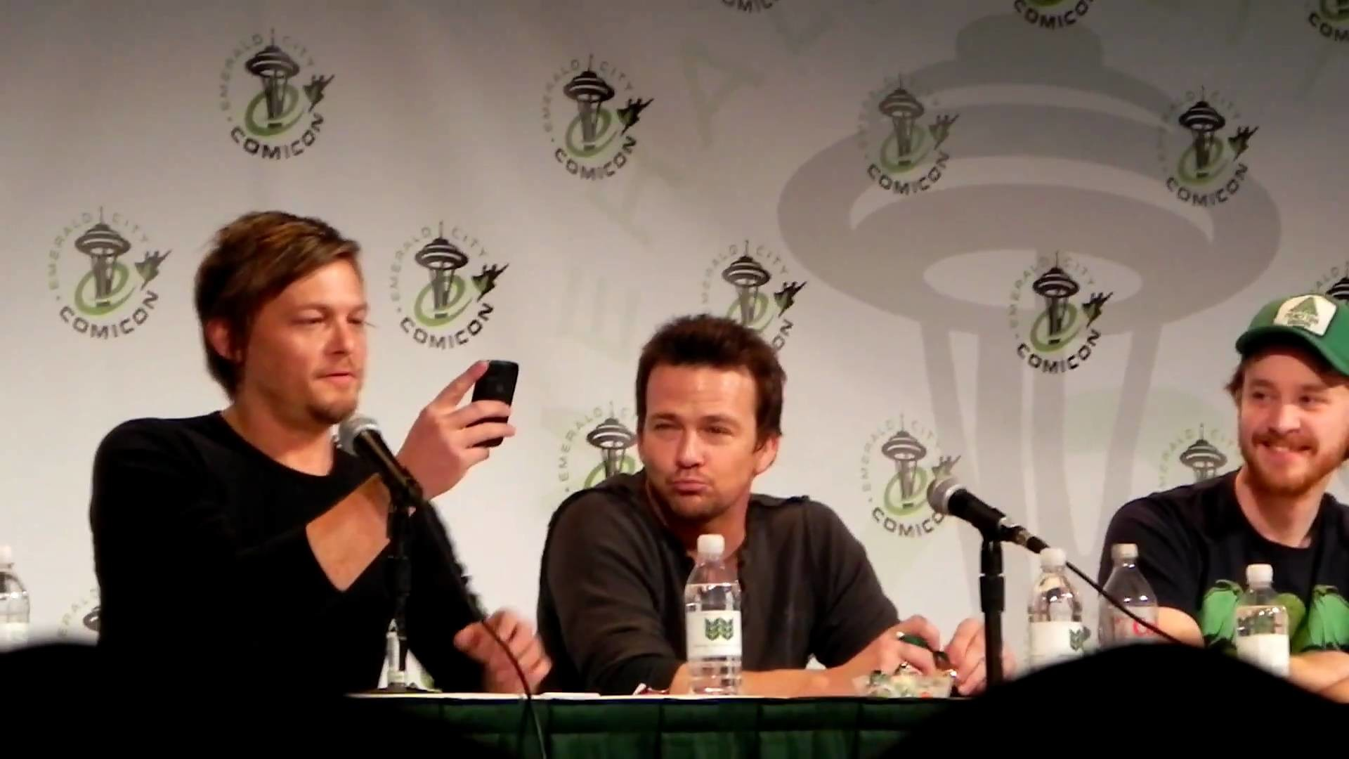 [NSFW] Sean P Flanery and Norman Reedus Boondocks Saints Prayer at Emeral  City Comic Con Part 1 – YouTube