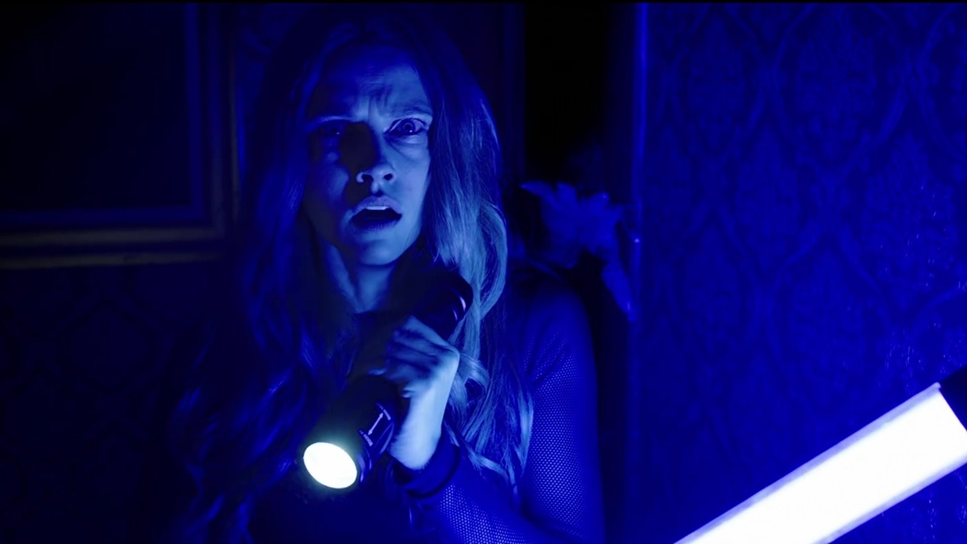 Tags: Lights Out. Category: Movies
