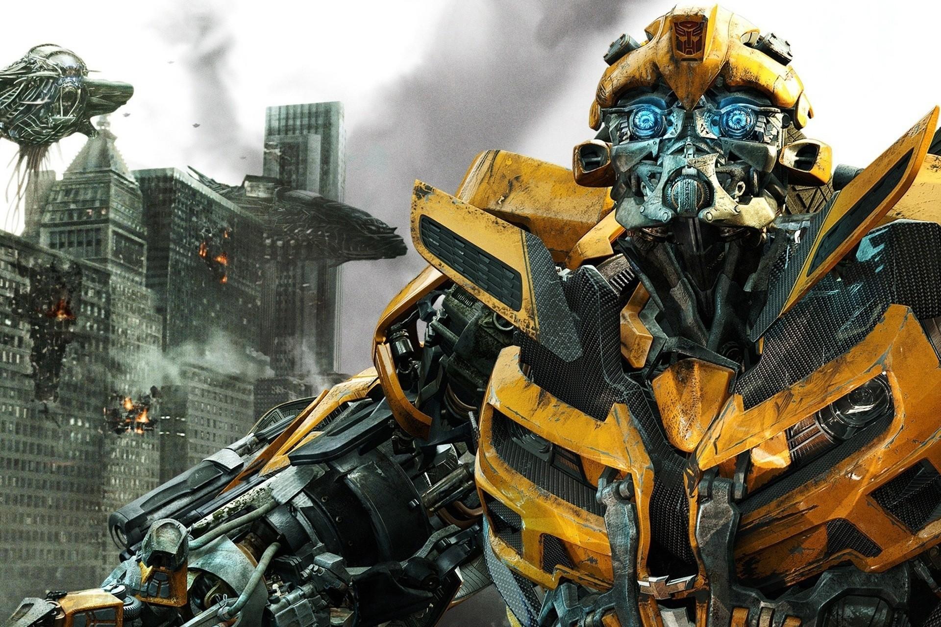 HD Movie Wallpaper | Bumblbee Wallpaper Full Hd Transformers 3  The Dark Side Of Moon