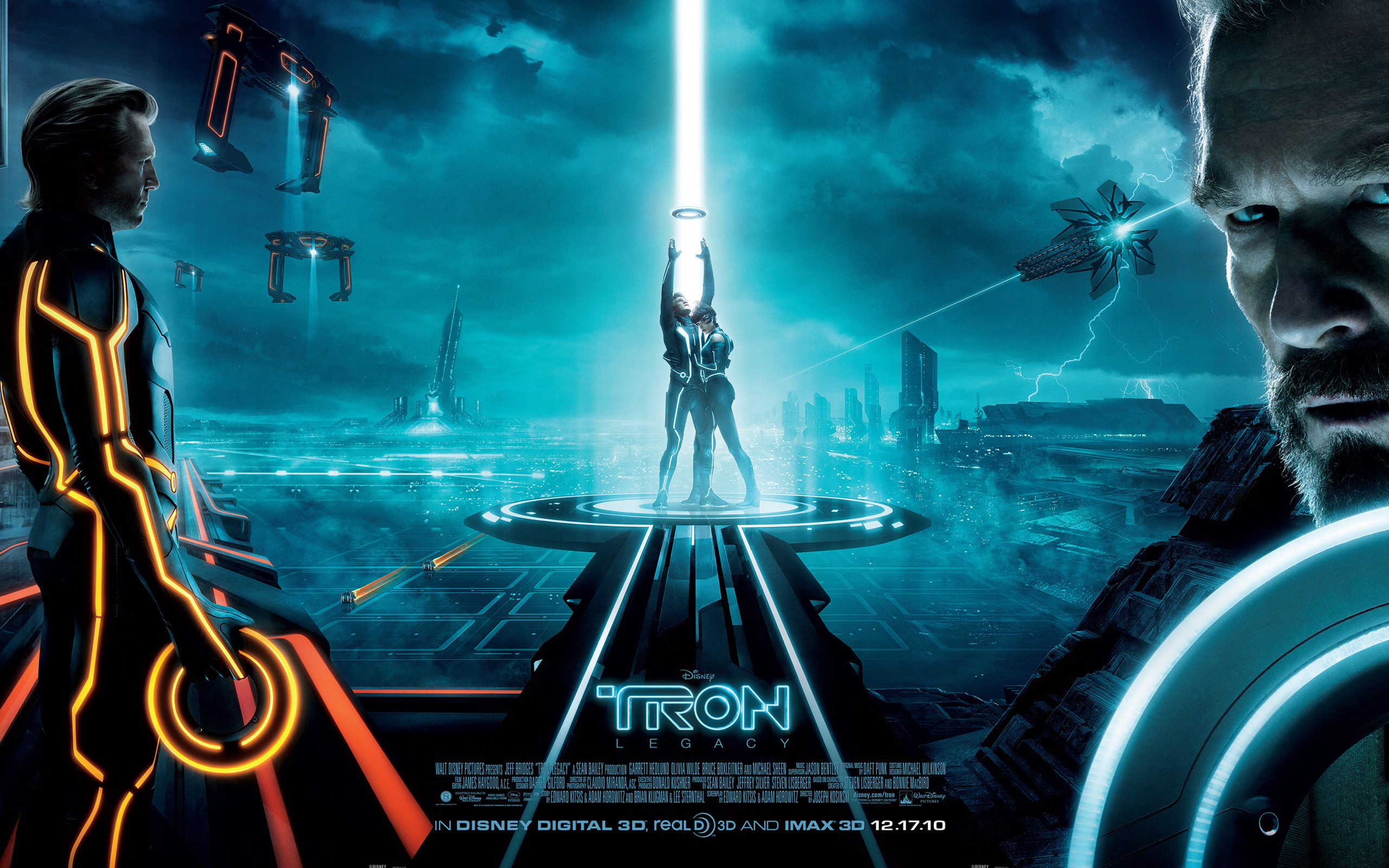 Wallpaper picture of the main characters from Disney's Tron: Legacy movie:  Clu, Sam Flynn, Quorra and Kevin Flynn. See all Tron: