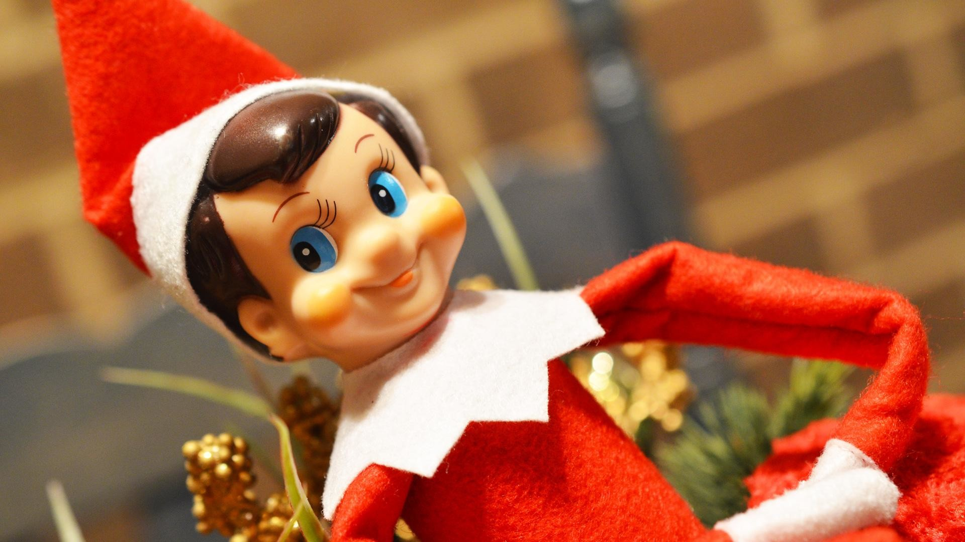 Need creative ideas for your Elf on the Shelf placement this year? We've