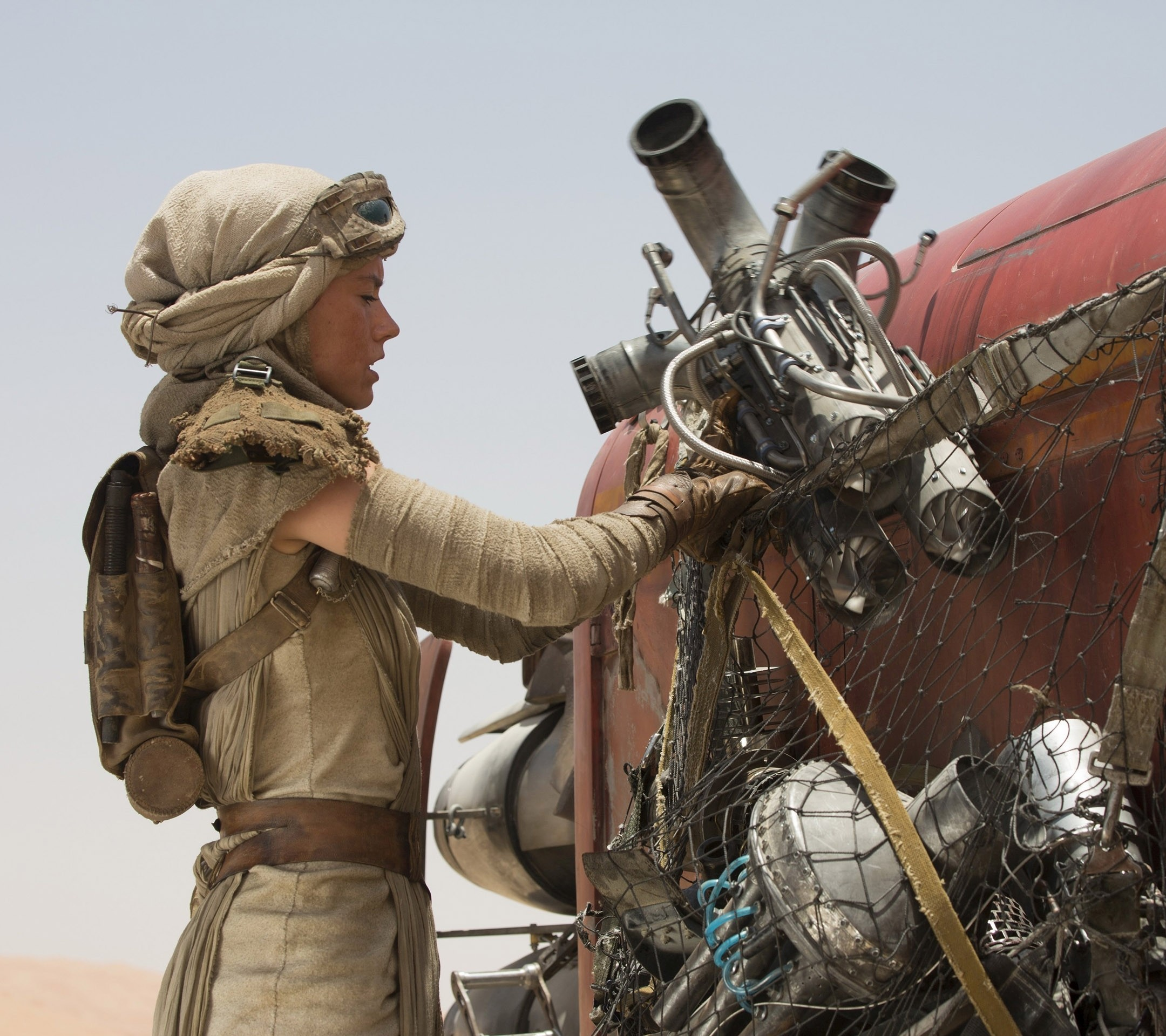 Rey in Star Wars: Episode VII – The Force Awakens Wallpaper
