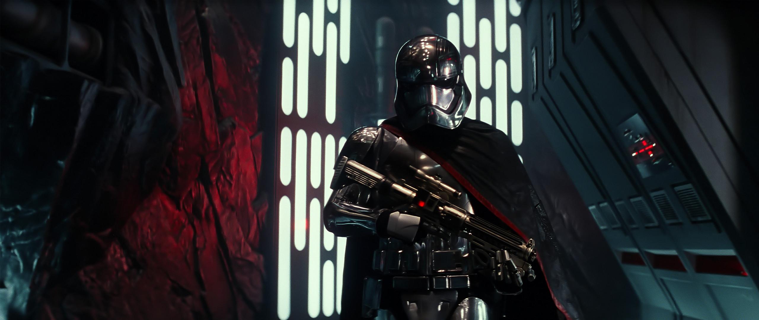 General Star Wars: The Force Awakens Captain Phasma Star Wars