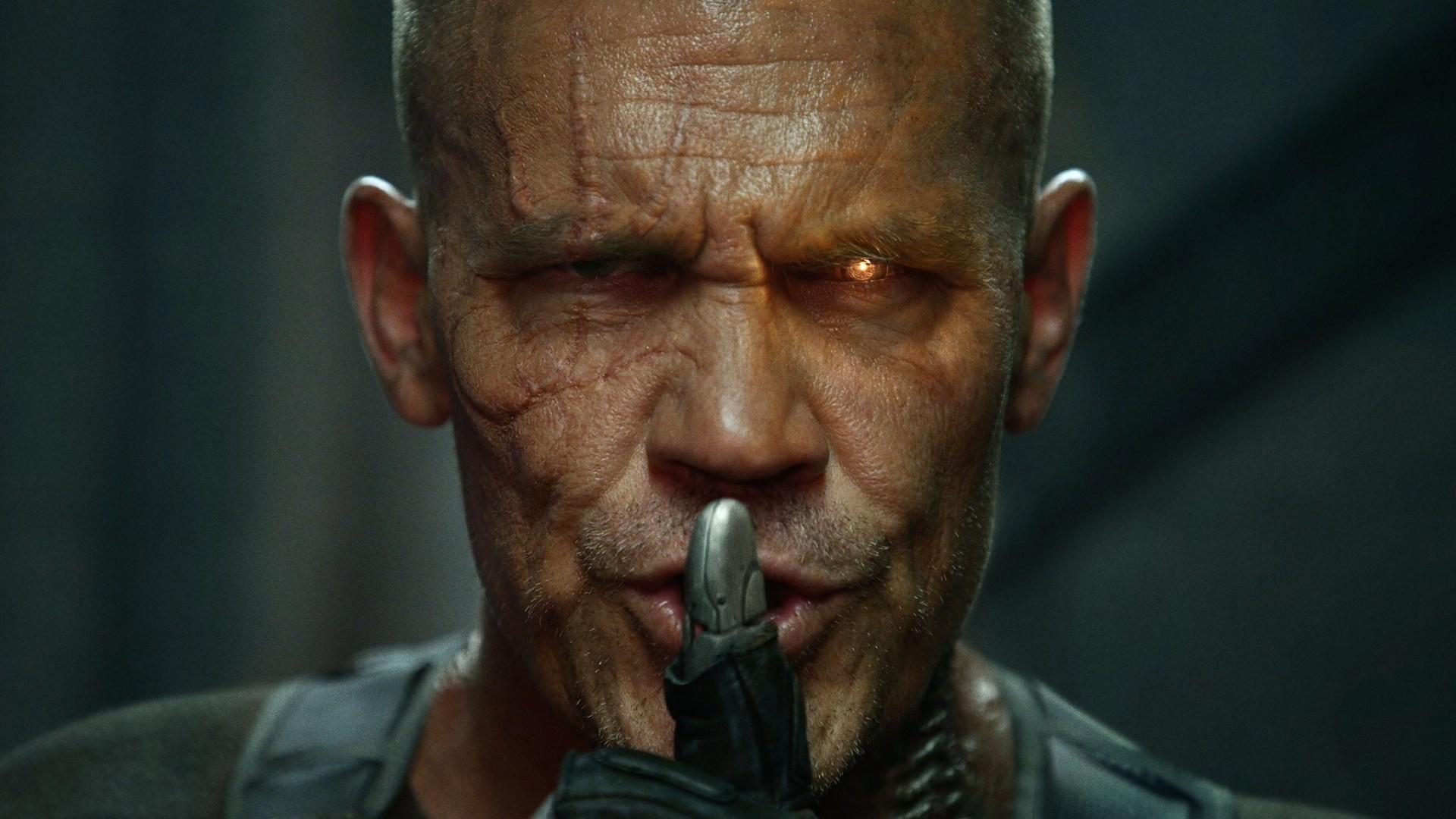 Movies / Deadpool 2 Wallpaper