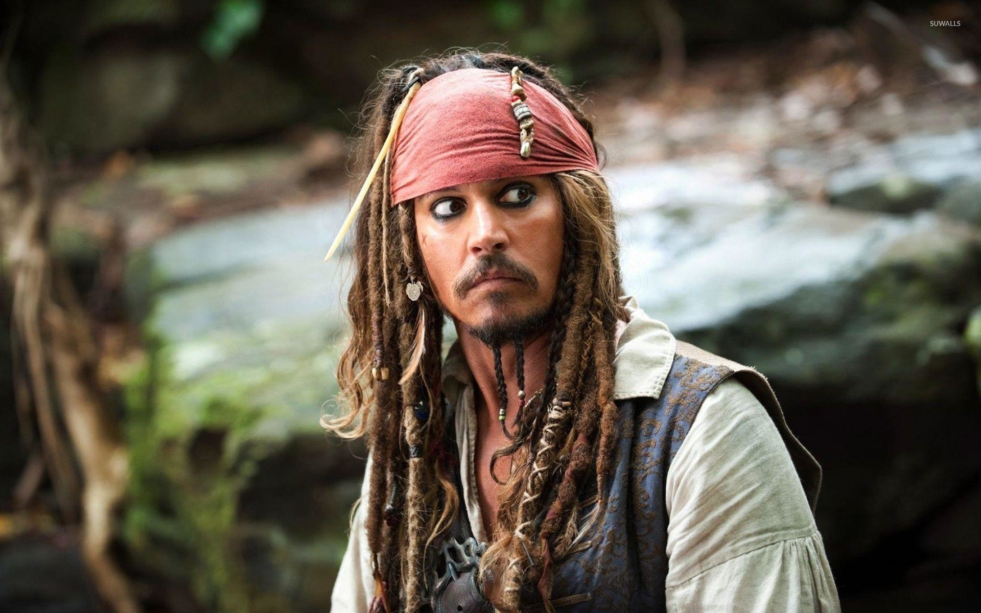 Captain Jack Sparrow – The Pirates of the Caribbean wallpaper .