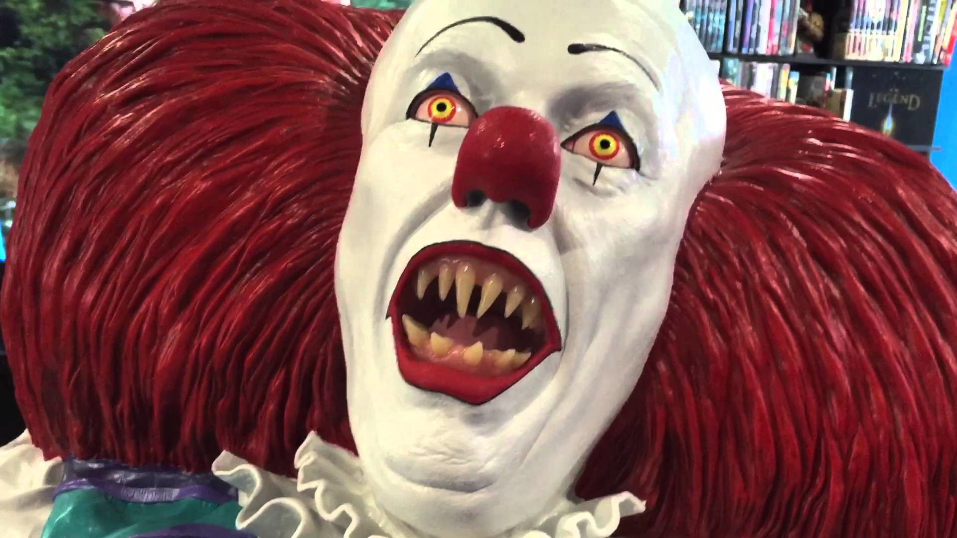 1:1 life size bust of Pennywise the clown by Daran Holt