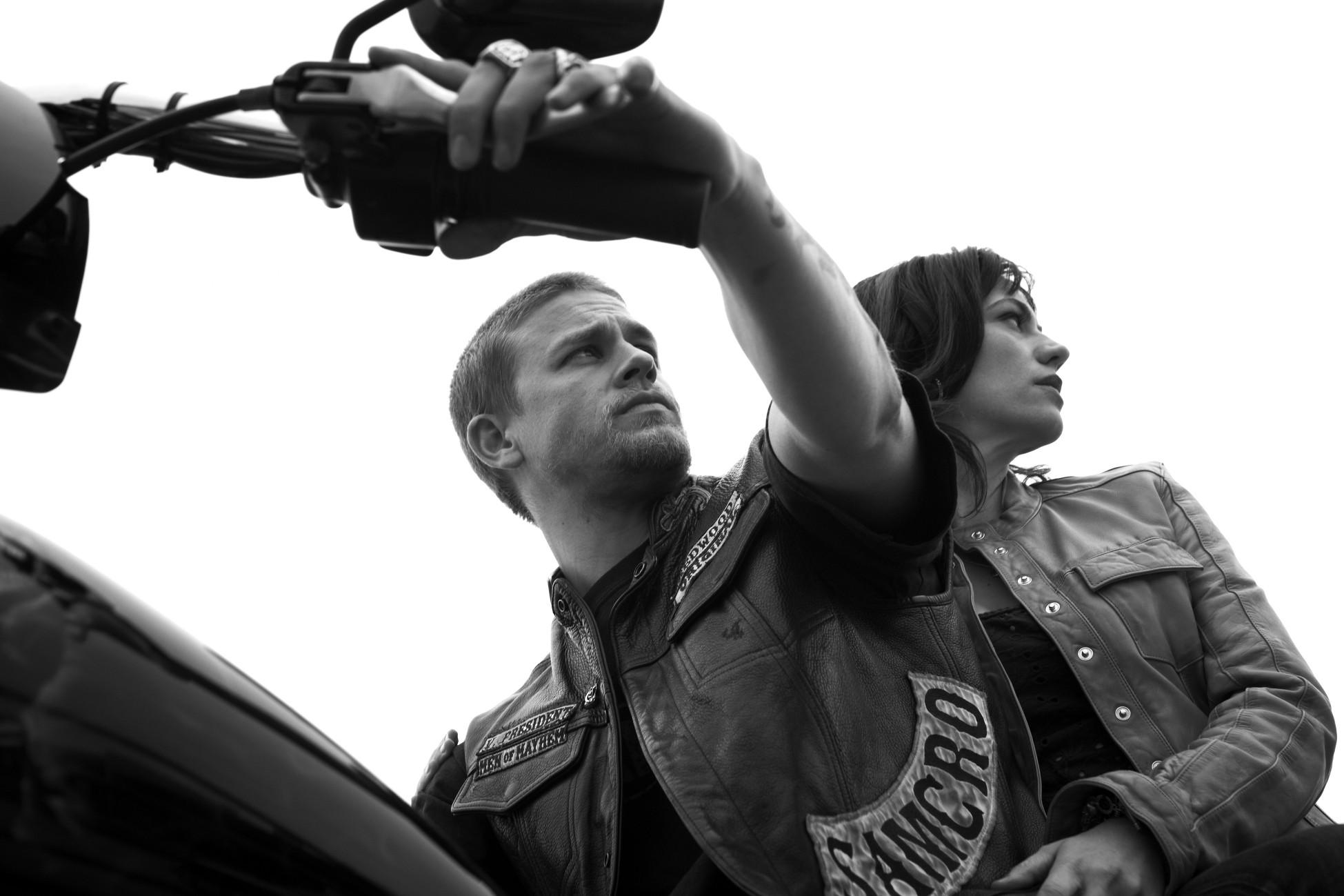 Sons of Anarchy – Jackson 'Jax' Teller (Charlie Hunnam) Tara Knowles  (Maggie Siff) Season 4