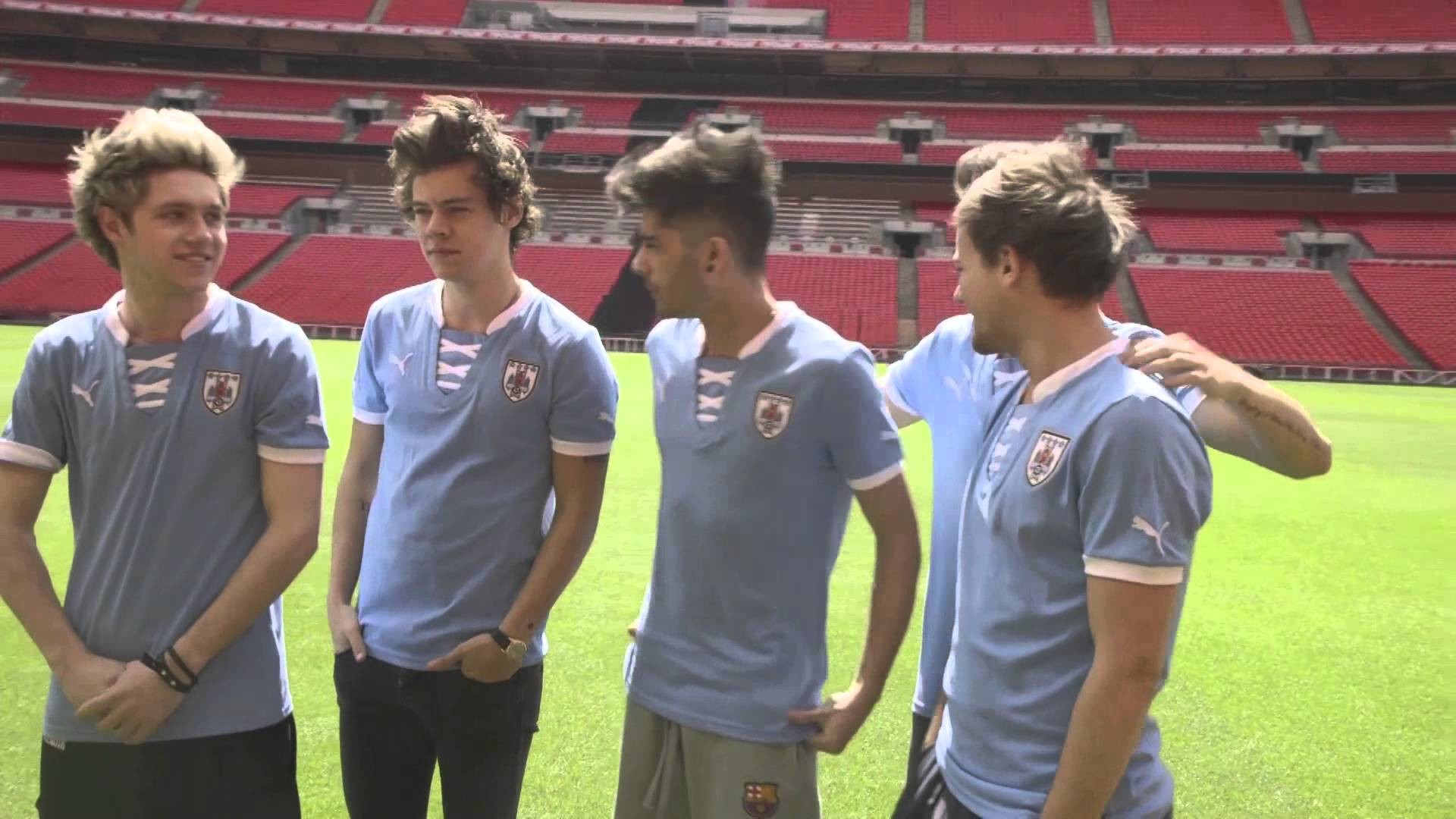 One Direction taking their shirts off and playing football? Oh go on… –  YouTube