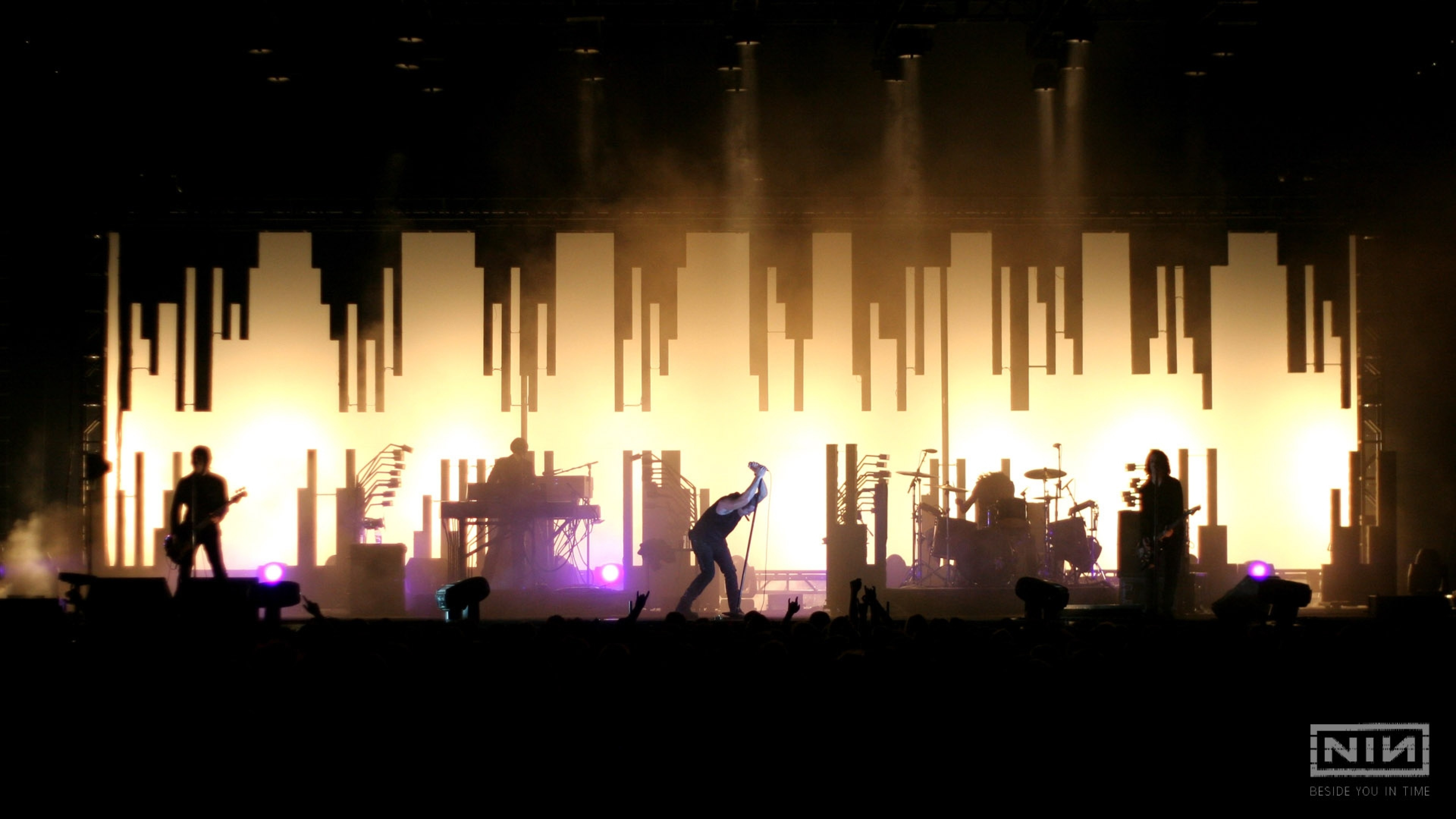 Wallpaper nine inch nails, show, concert, members, silhouette