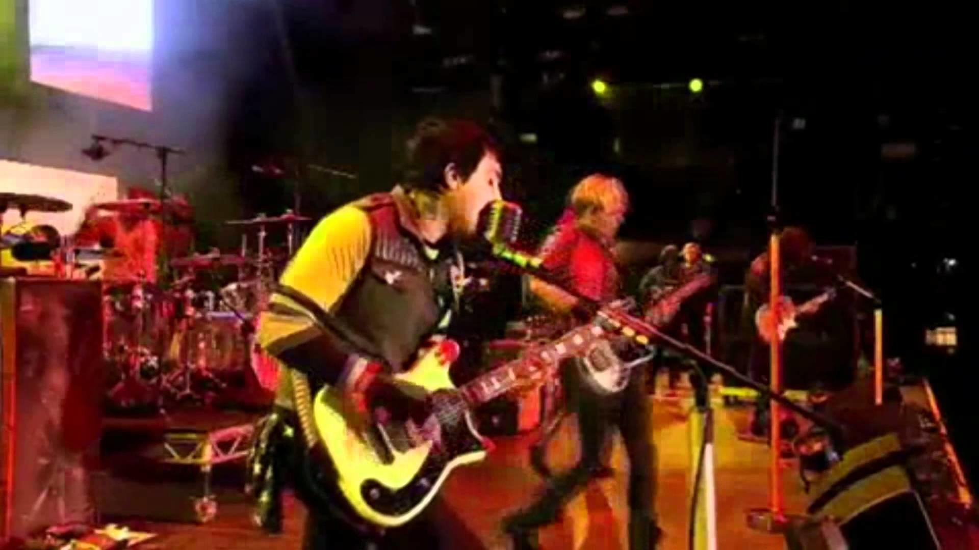 Na Na Na – My Chemical Romance Live at Reading Festival 2011 HD