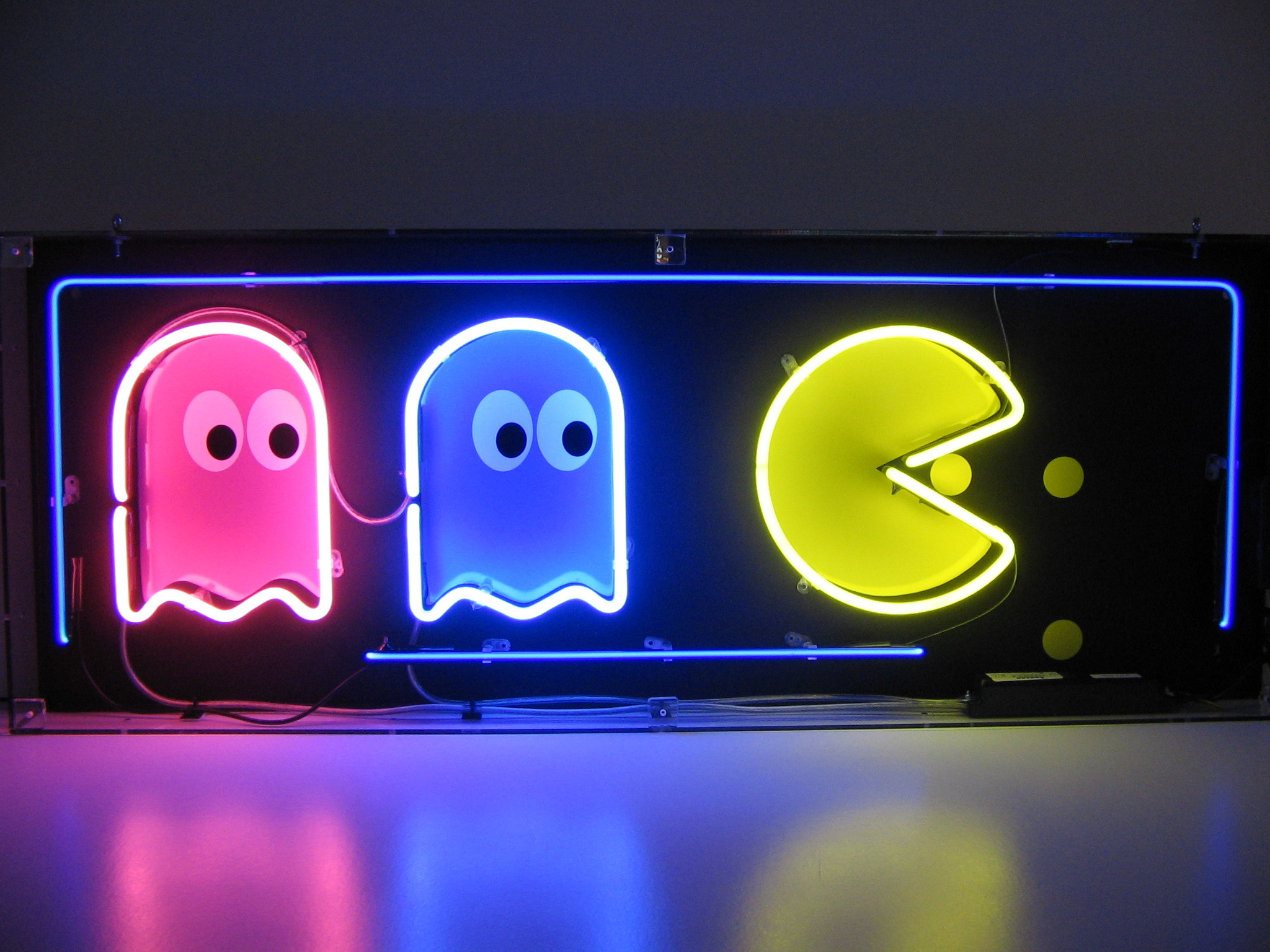 Lowest UK Price Pac-Man Neon Sign from the UK's Leading Retailer.