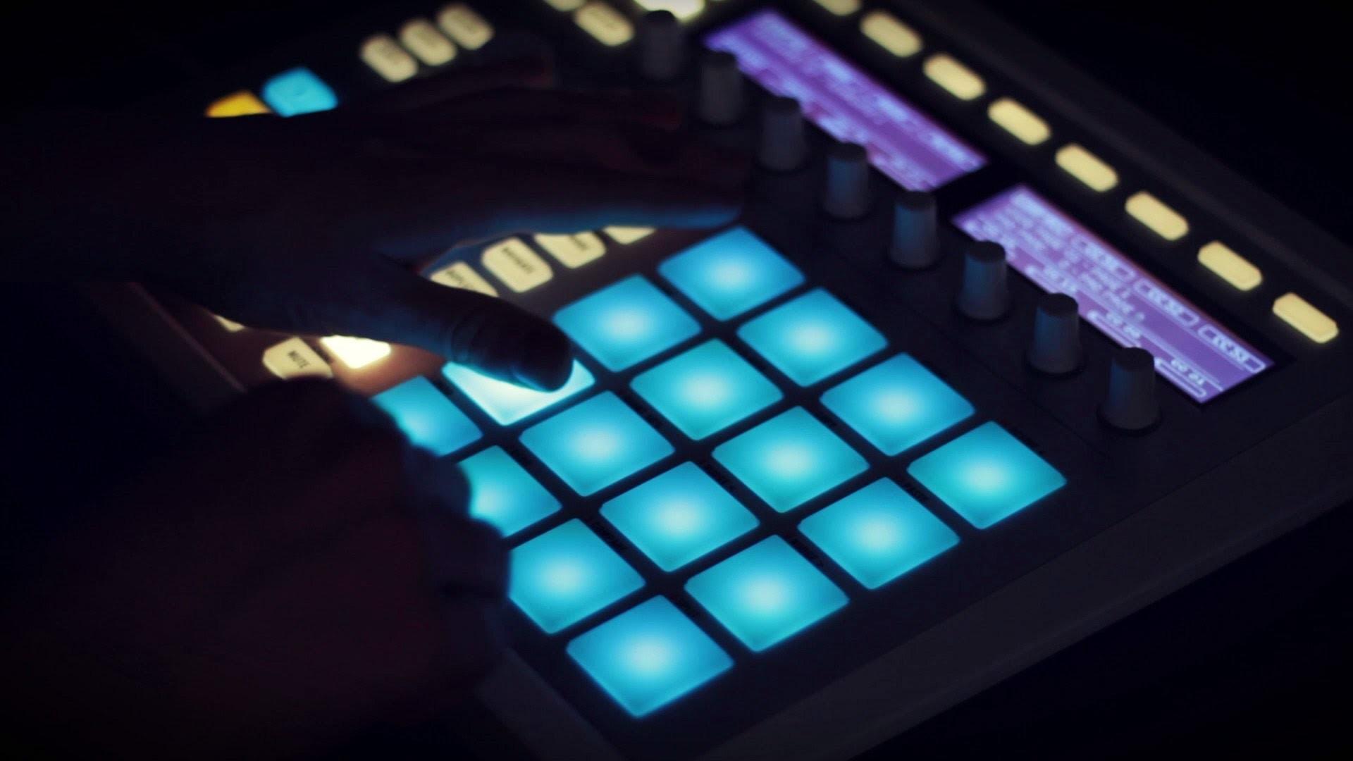 Maschine and FL Studio – Making a sampled beat