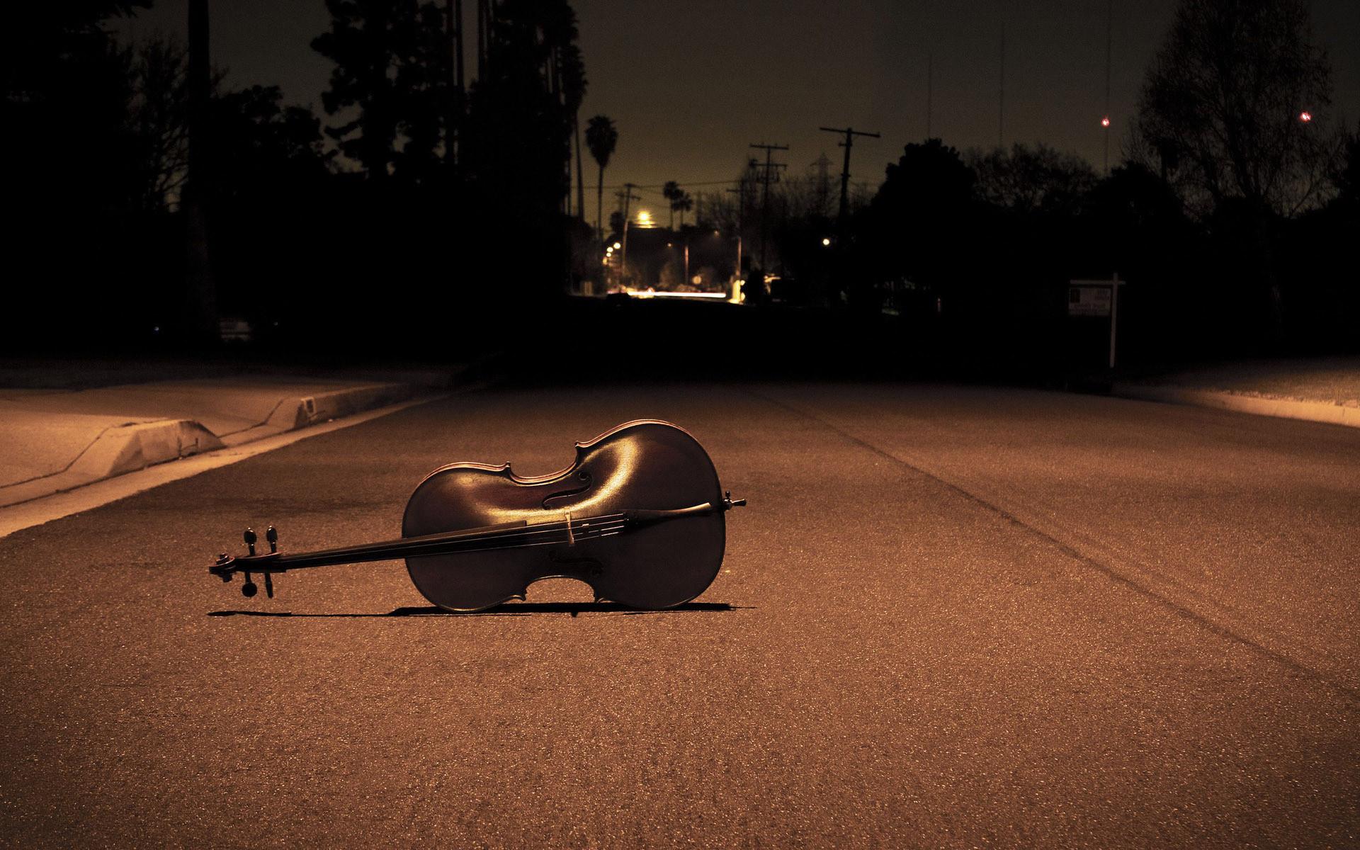 … Violin on the street HD Wallpaper 1920×1200