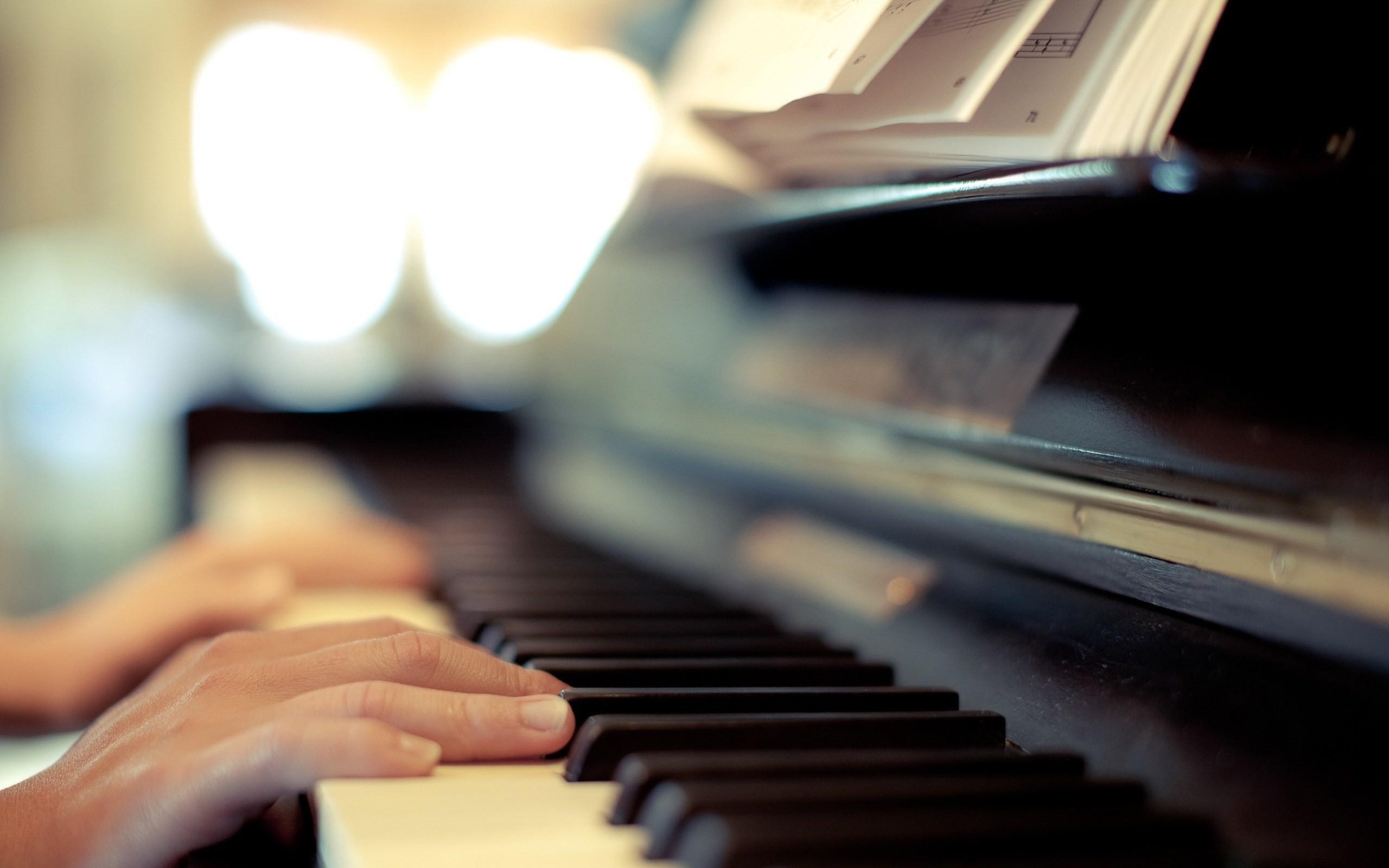 Playing Piano Wallpaper HD 1322