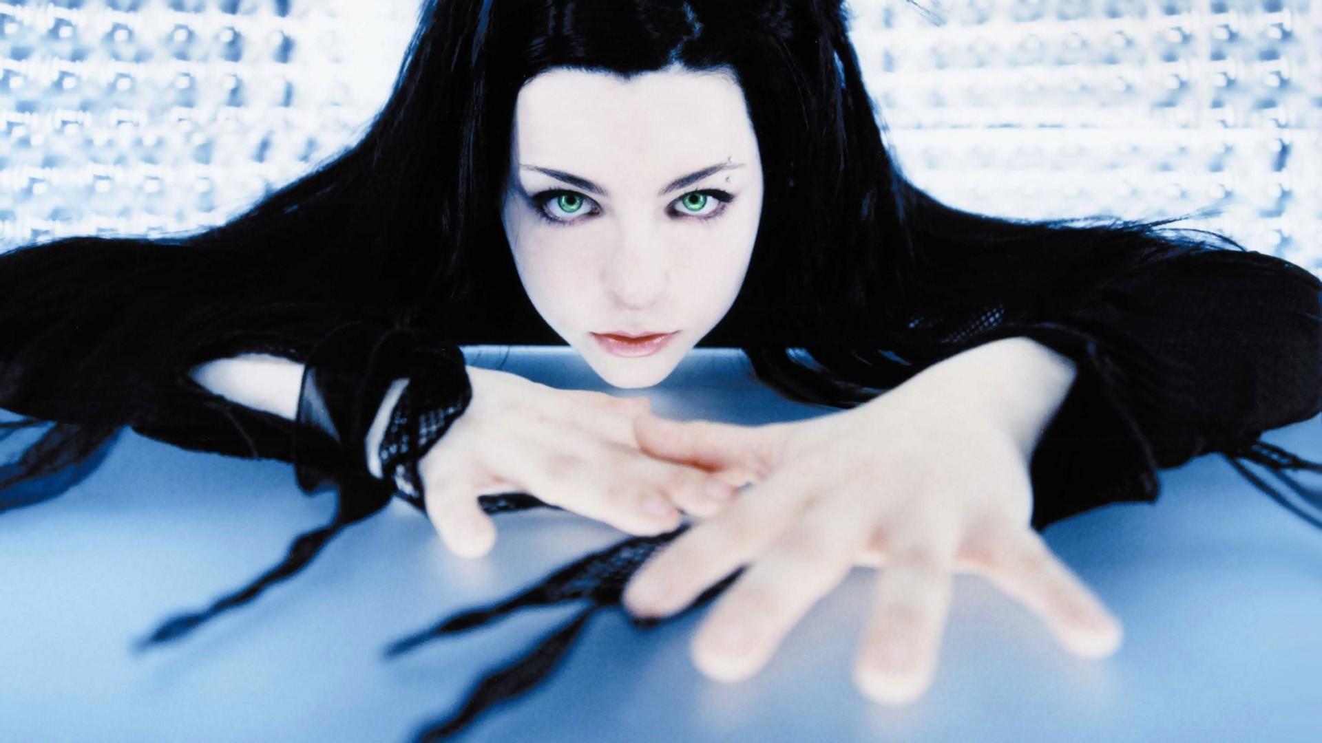 Music – Evanescence Wallpaper