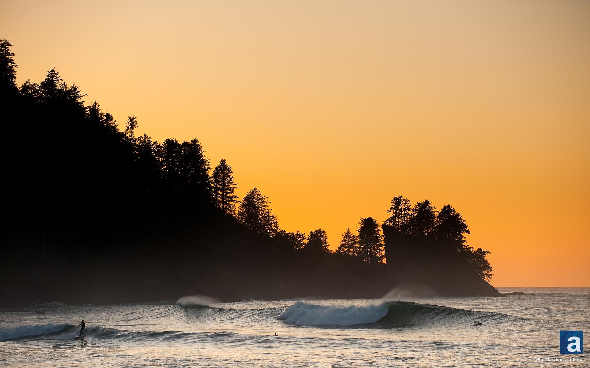 adventure journal – Wallpaper Wednesday: Pacific Northwest Surfing