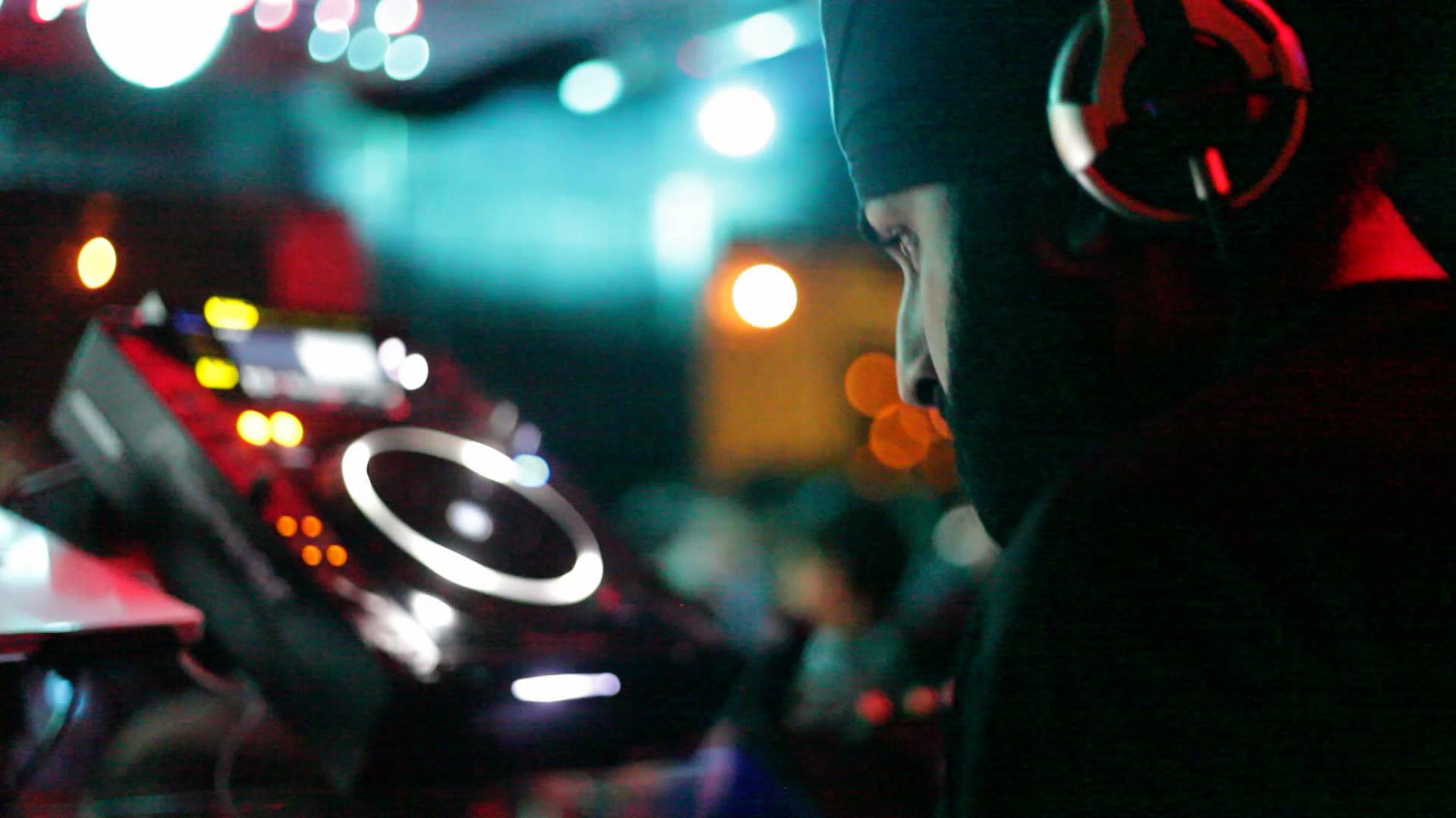 DJ Night Club HD Wallpaper