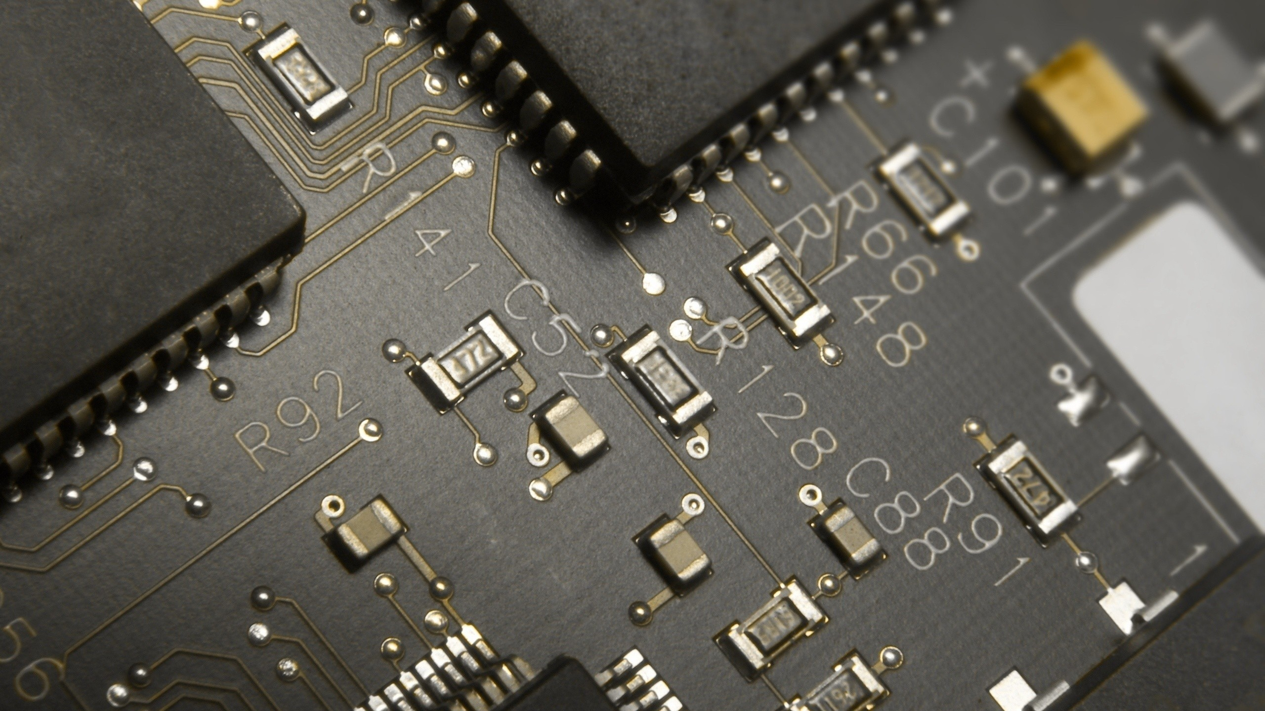 Preview wallpaper circuit paths, chips, black, pin 2560×1440