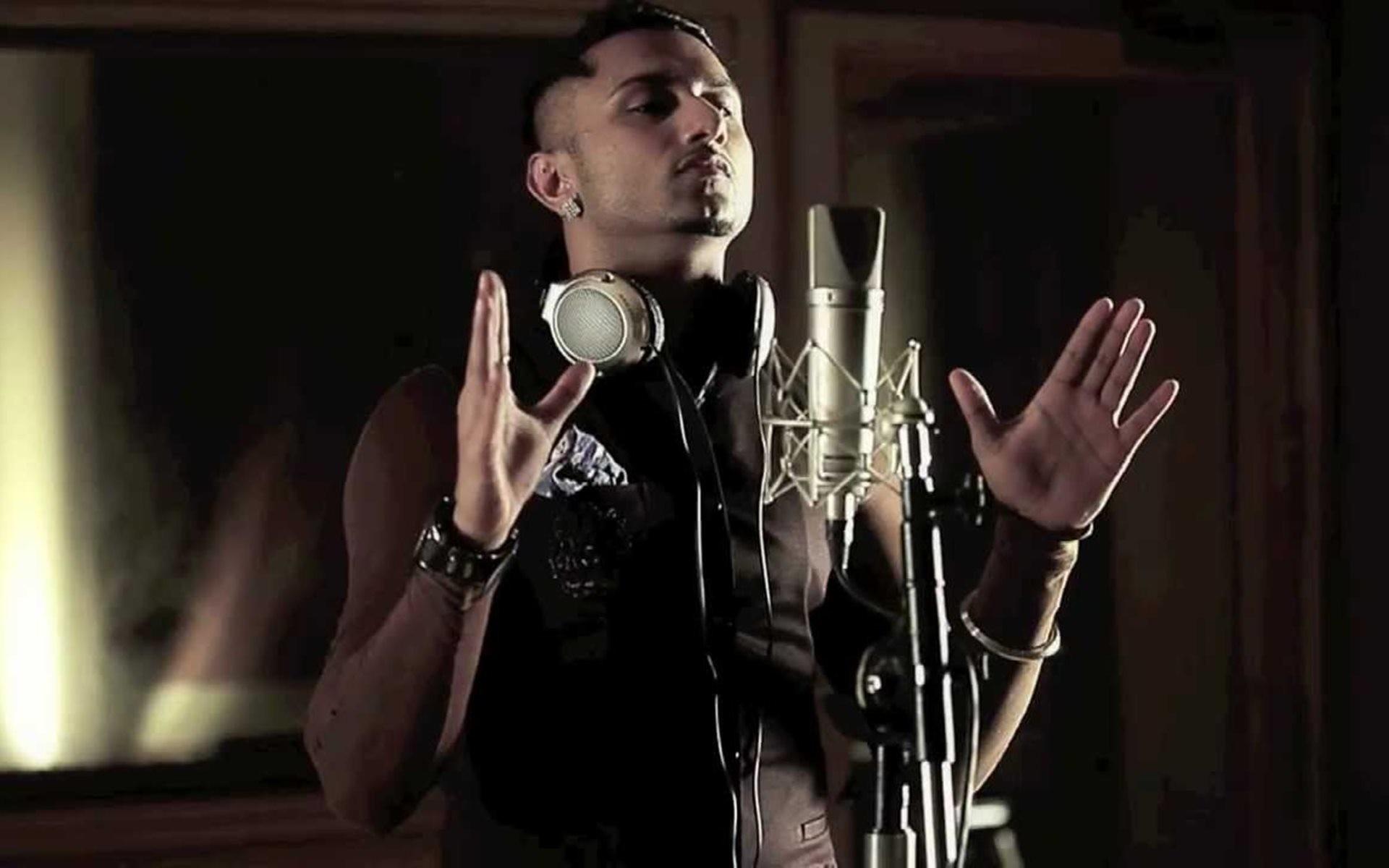 Honey Singh In Recording Studio HD Wallpaper #01948