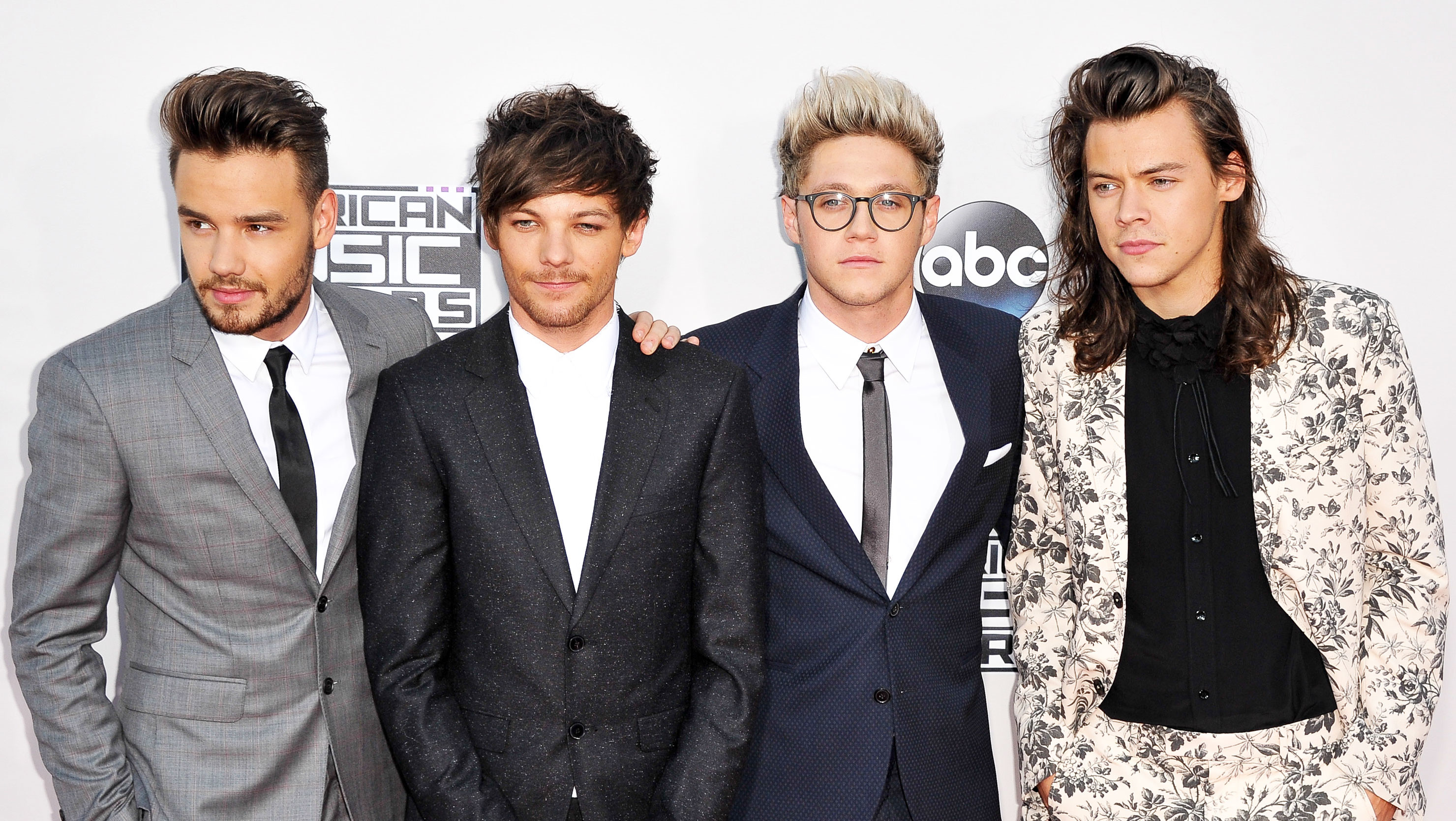 One Direction Fans React to Rumors the Band's Breaking Up | StyleCaster