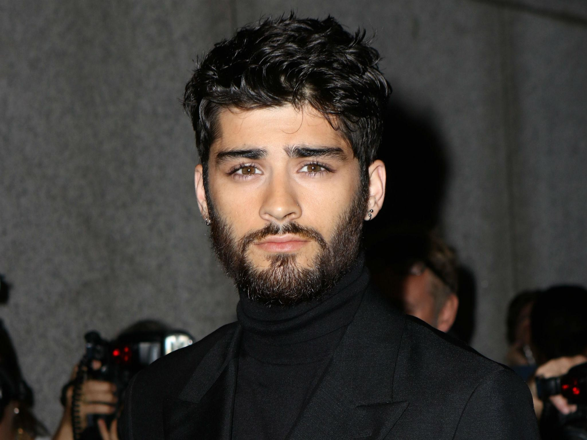 Zayn Malik interrogated for three hours at US airport because 'his name was  flagged up on the system' | The Independent