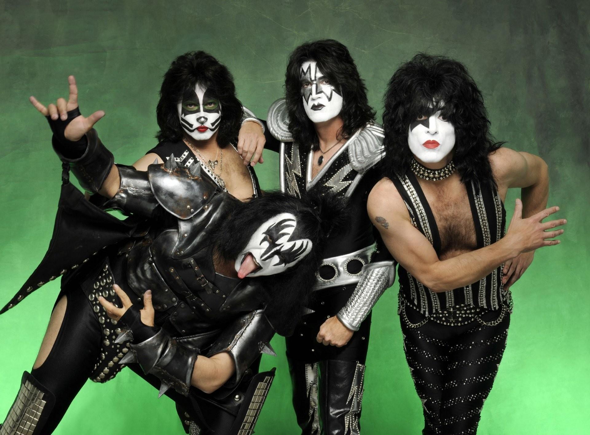 kiss rock band make-up hippie