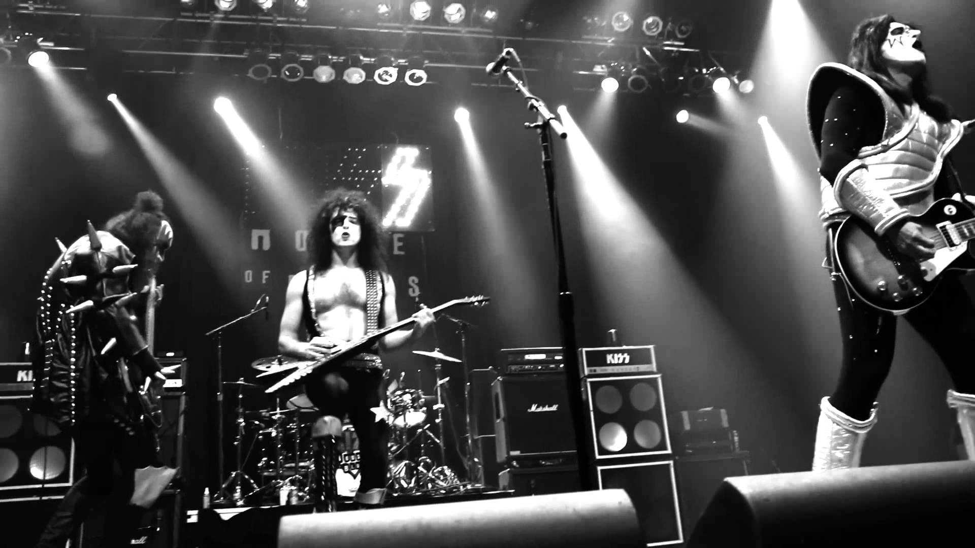 "KISS Tribute – Rock & Roll Over ""Deuce"""