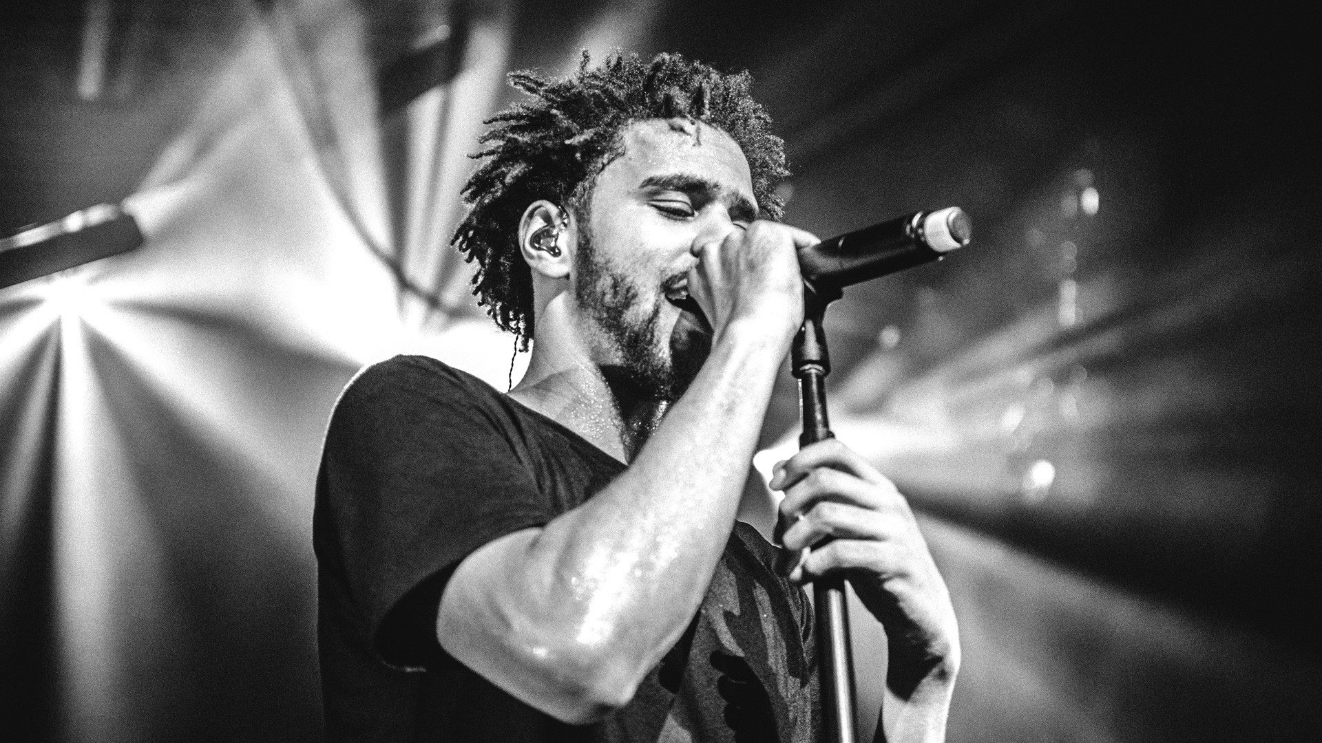 AN HBO CONCERT FILM | Premieres January 9, 2016. J. Cole Forest Hills Drive:  Homecoming
