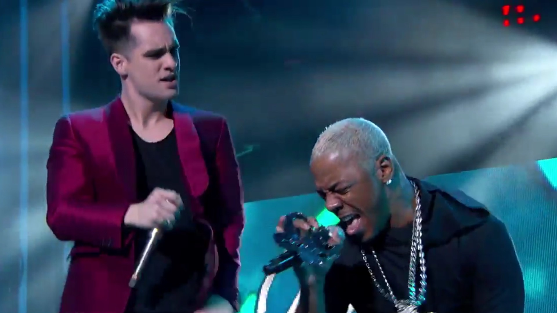 Watch Panic! At The Disco Confuse Fans By Performing 'Thong Song' With  SisQó – Music Feeds